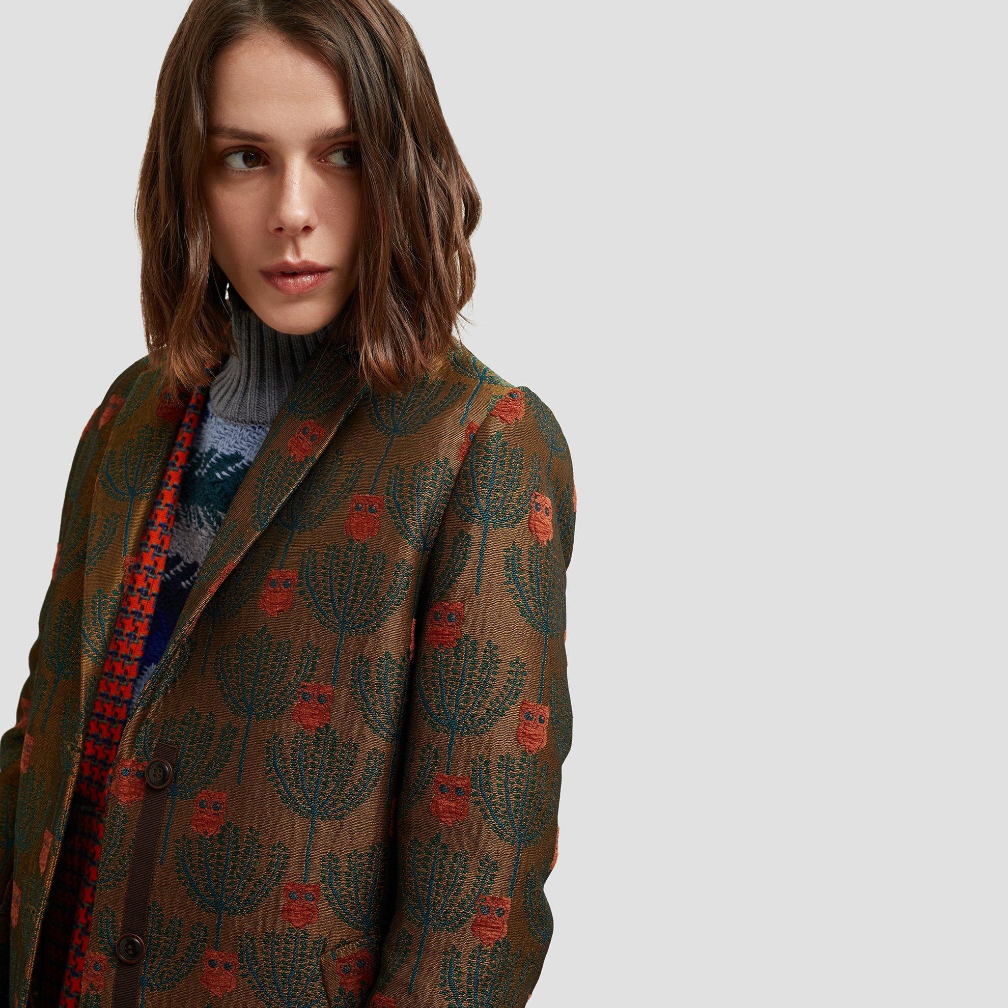 Kol Detaylı Palto