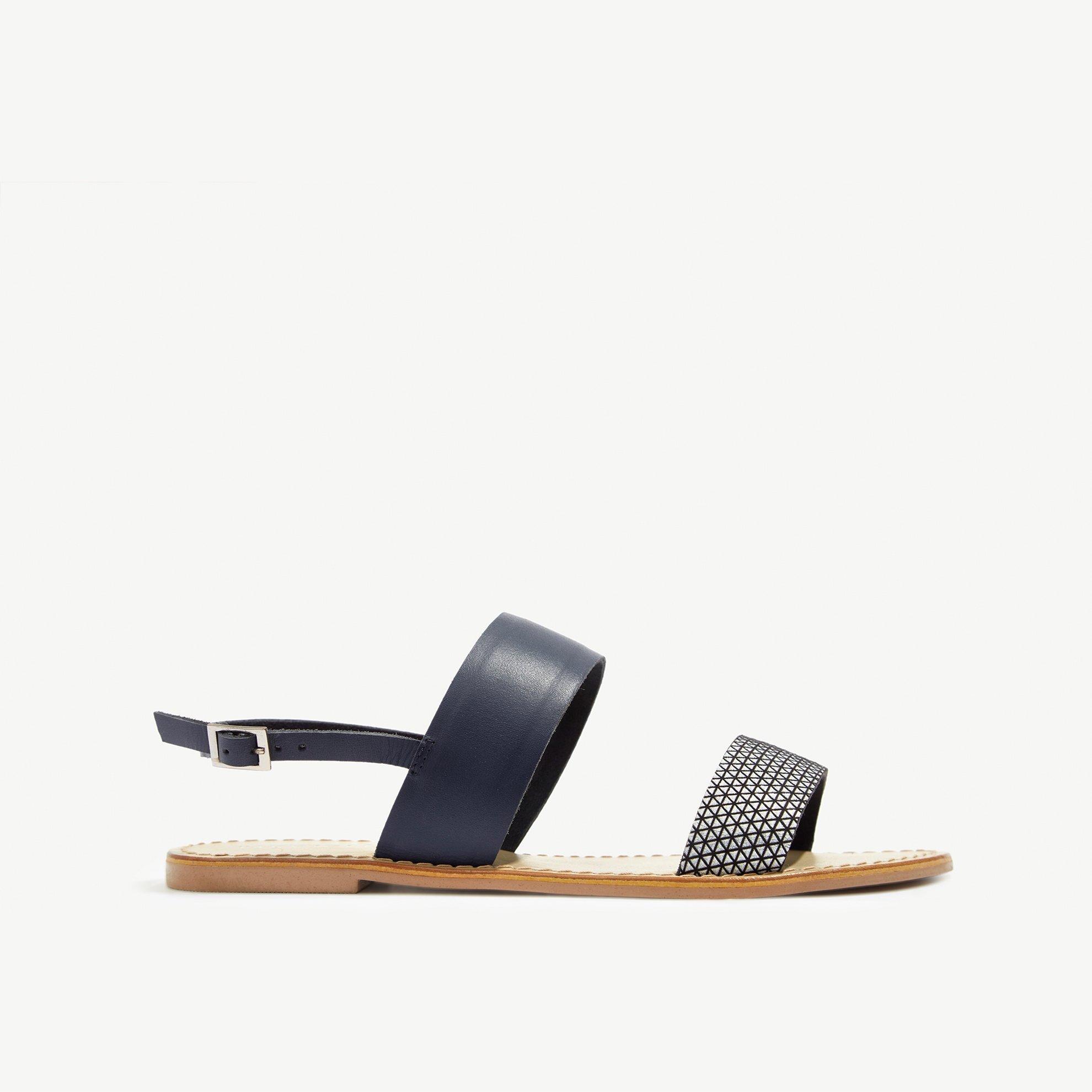 resm Puantiyeli Deri Sandalet