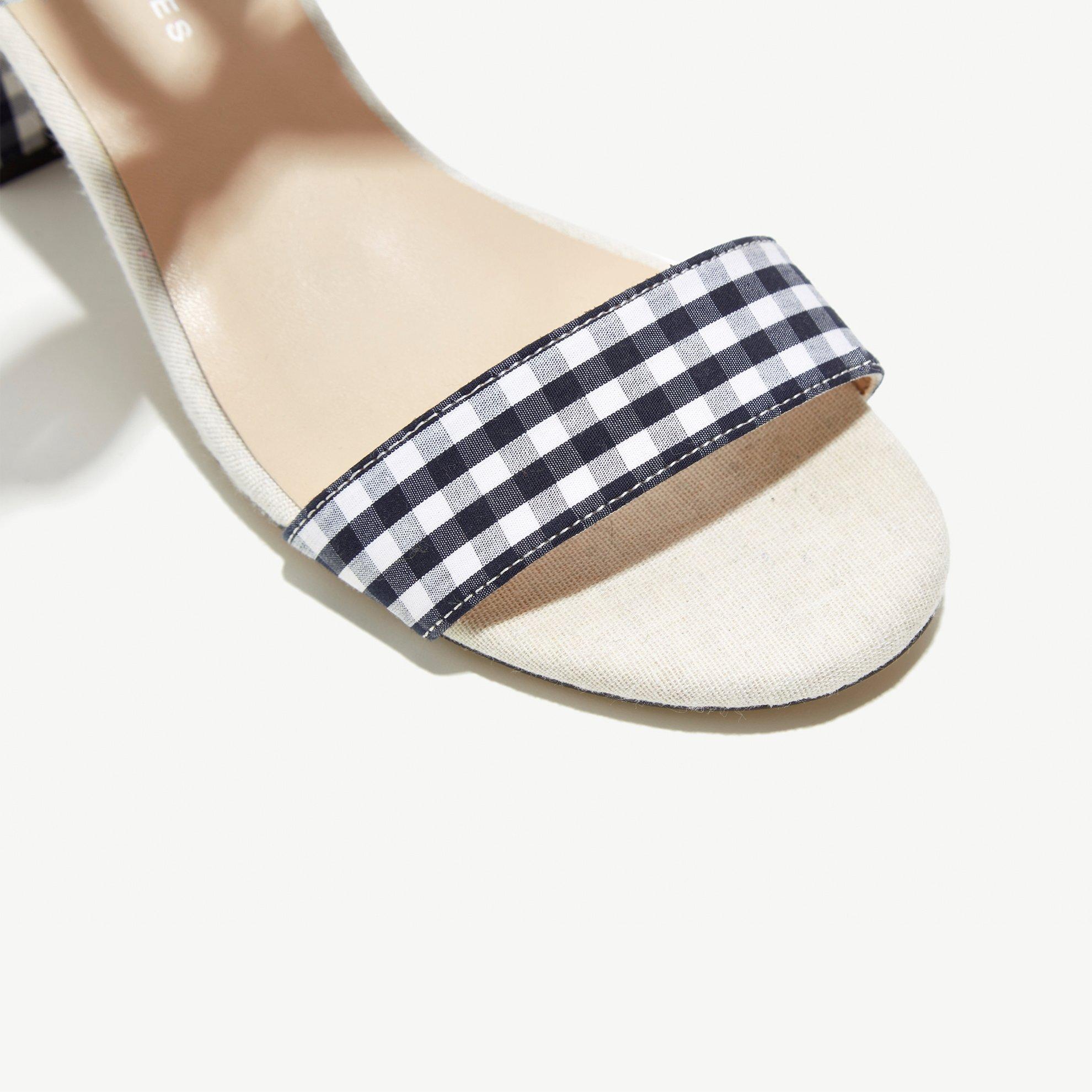 resm Kare Desenli Topuklu Sandalet