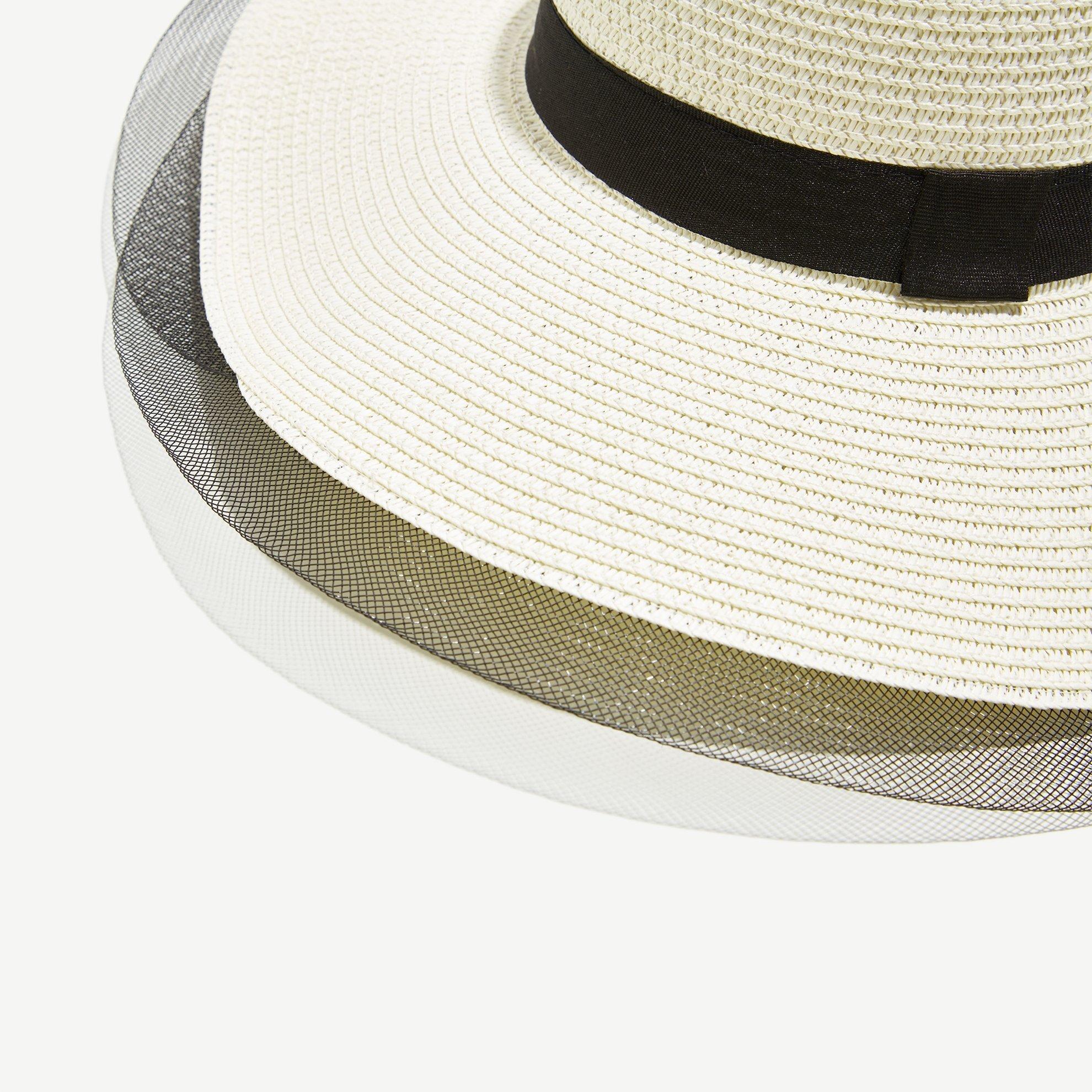 resm Tül Detaylı Kaplin Şapka