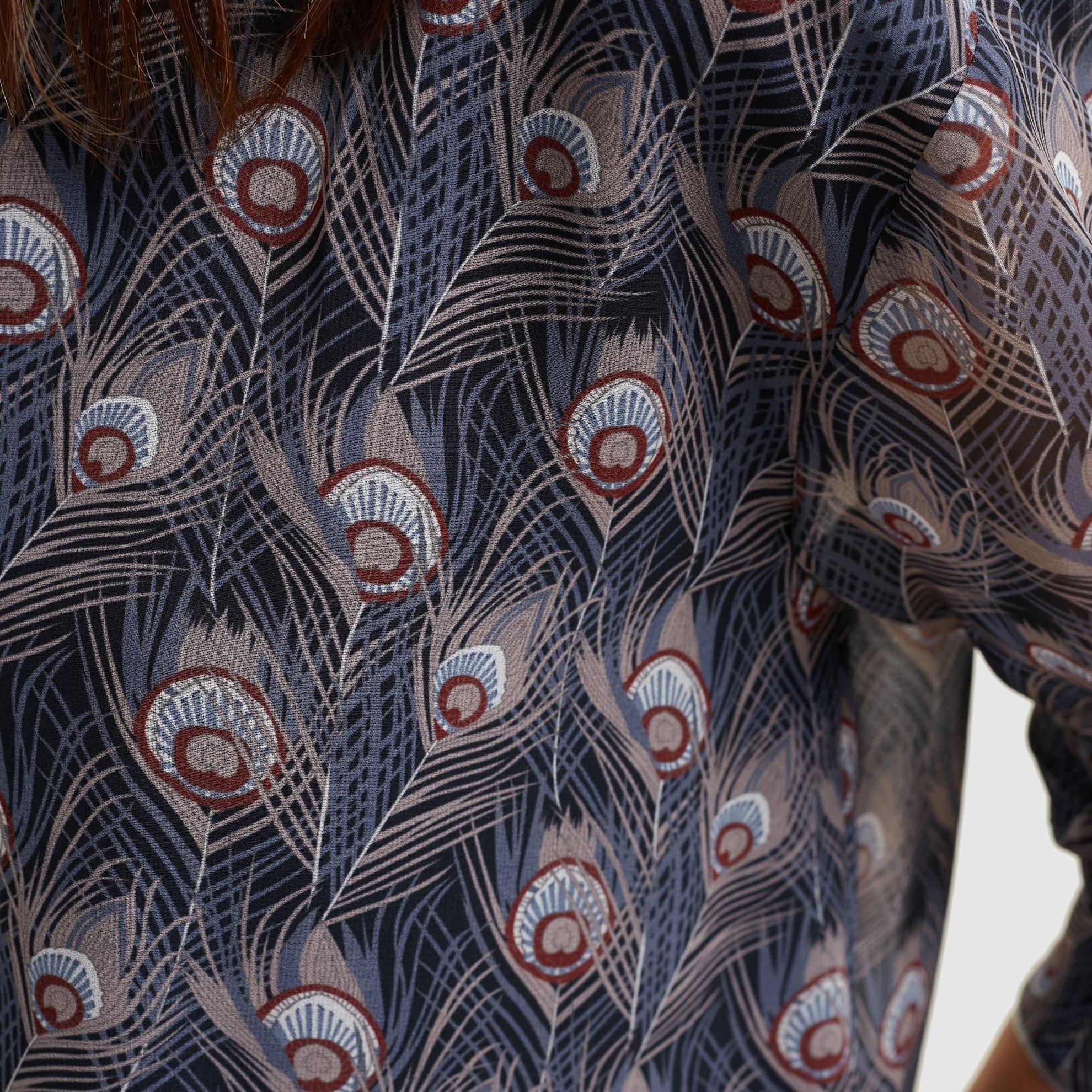 resm Sırt Detaylı Gömlek