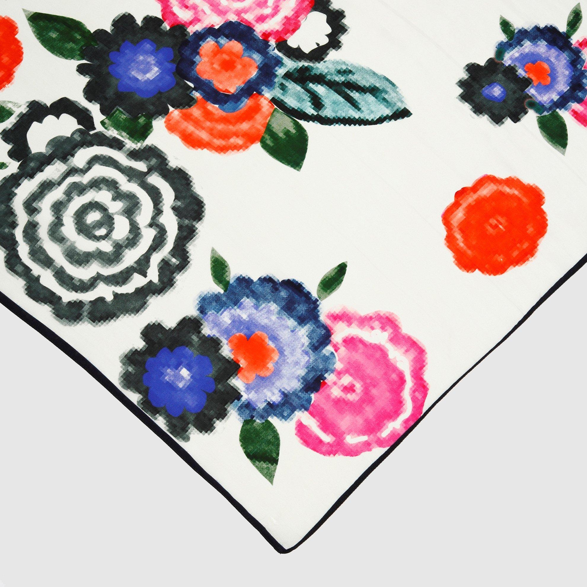 Çiçek Desenli Kare Şal