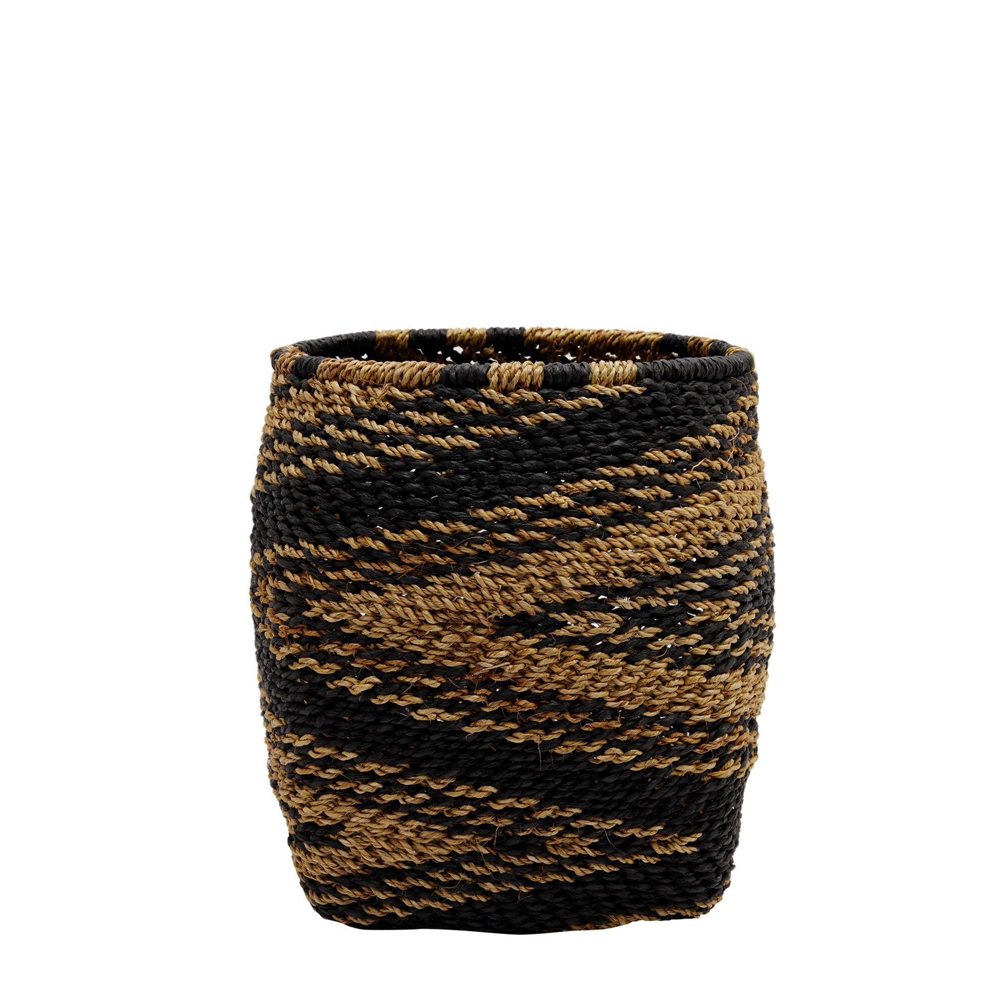 Straw Basket ( 20 X 20 X 24 Cm )