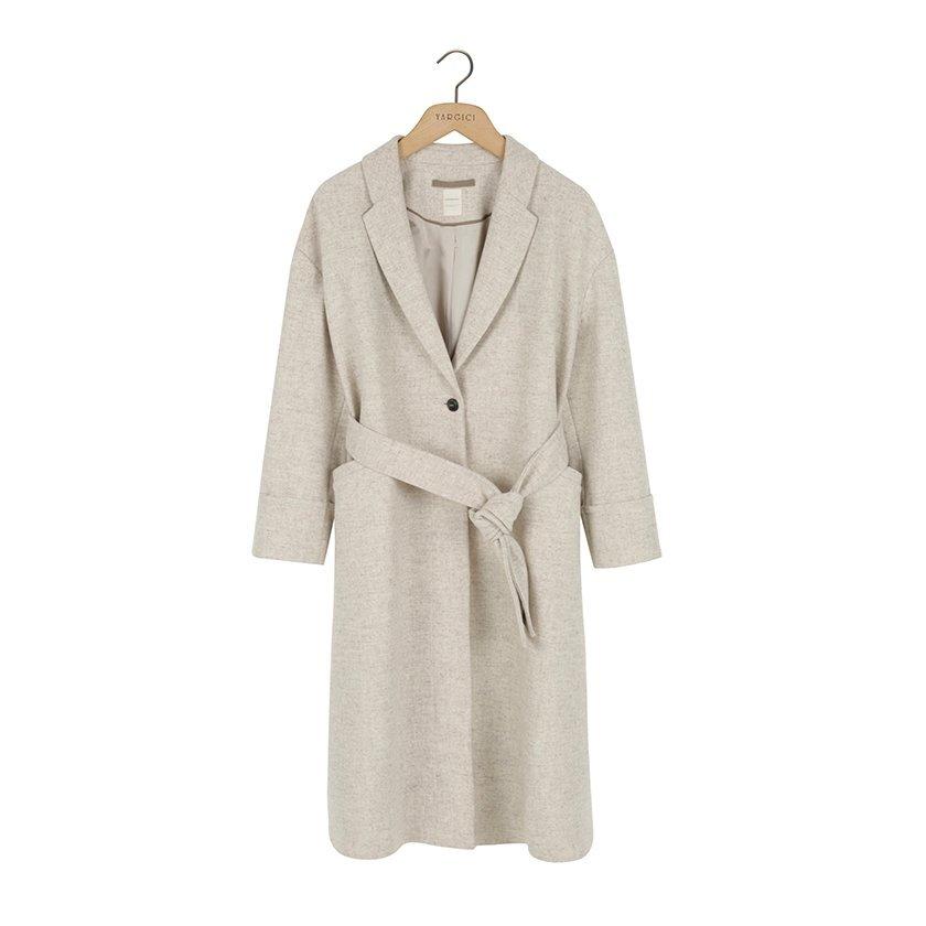 Bol Kesim Yan Yırtmaç Detaylı Palto
