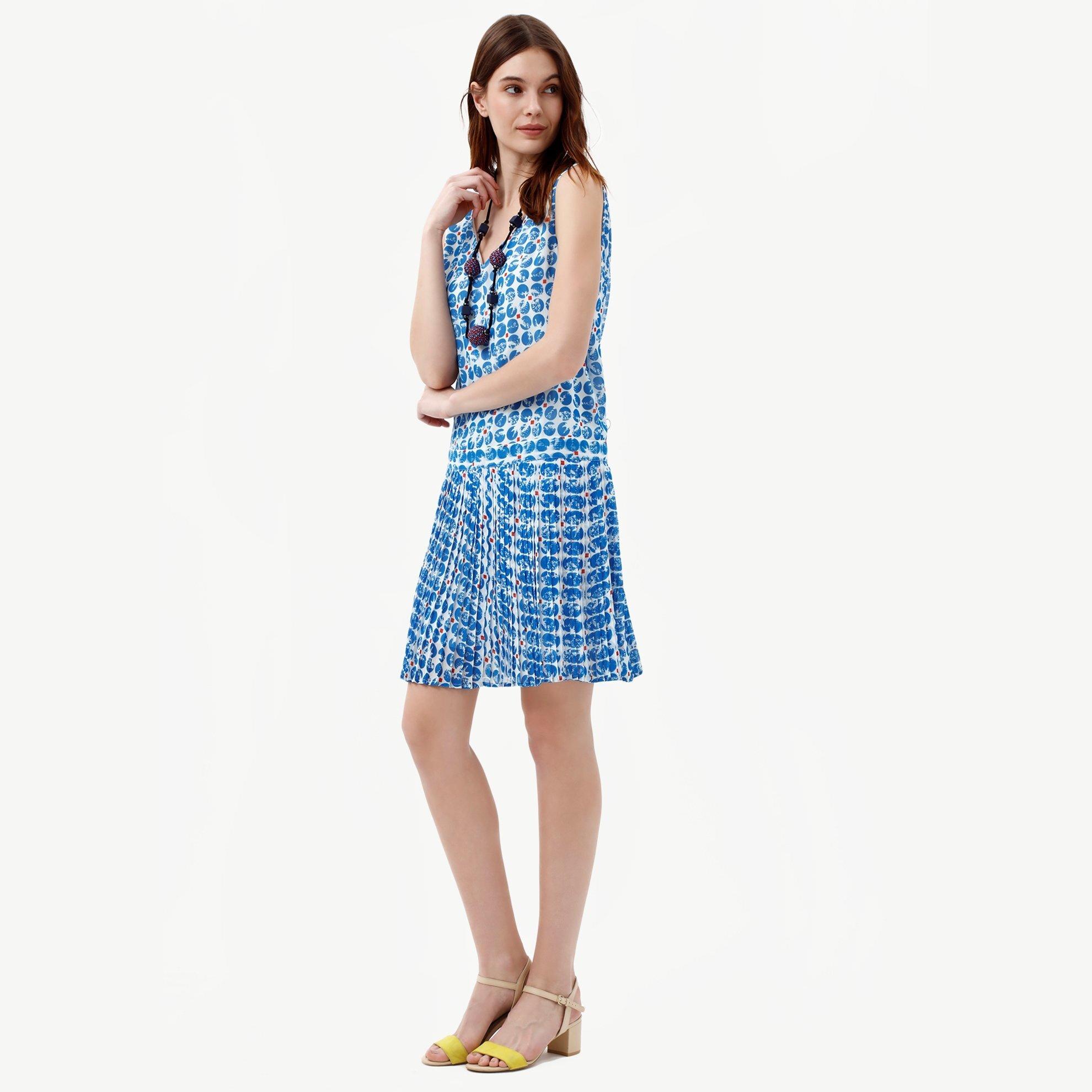 Sırtı V Yaka Elbise