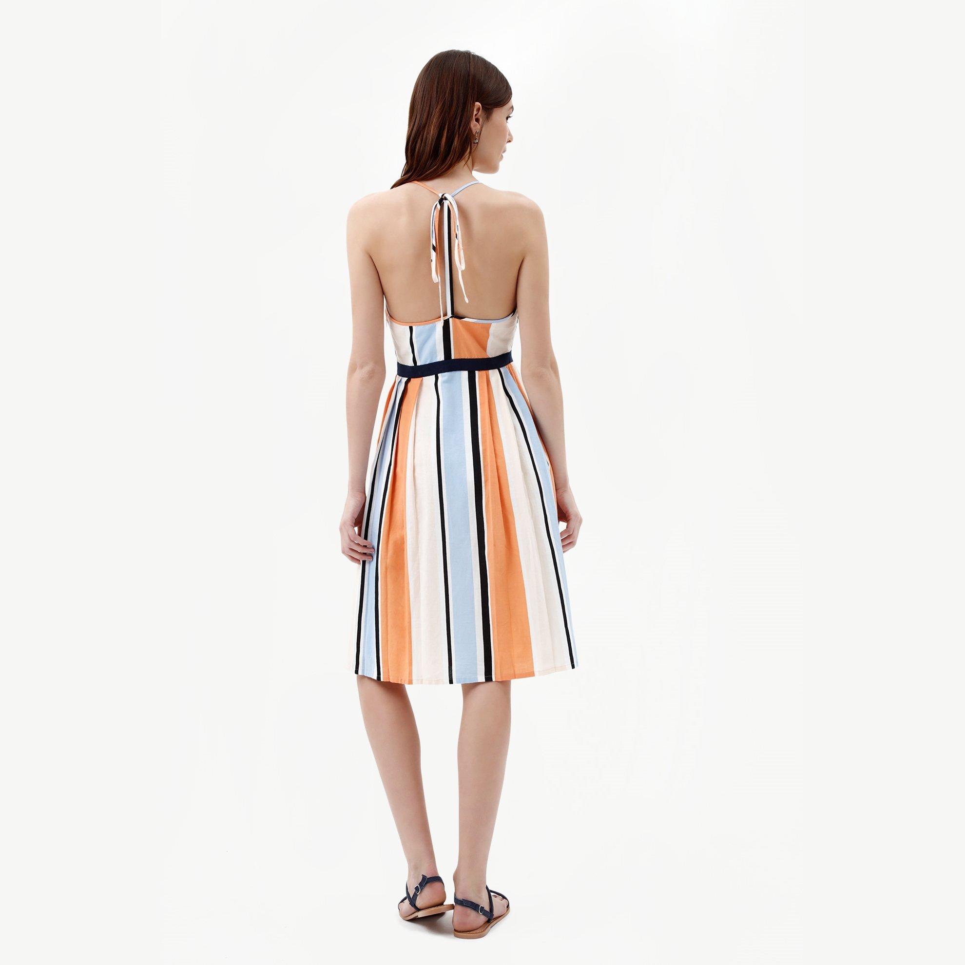 Sırtı Açık Elbise