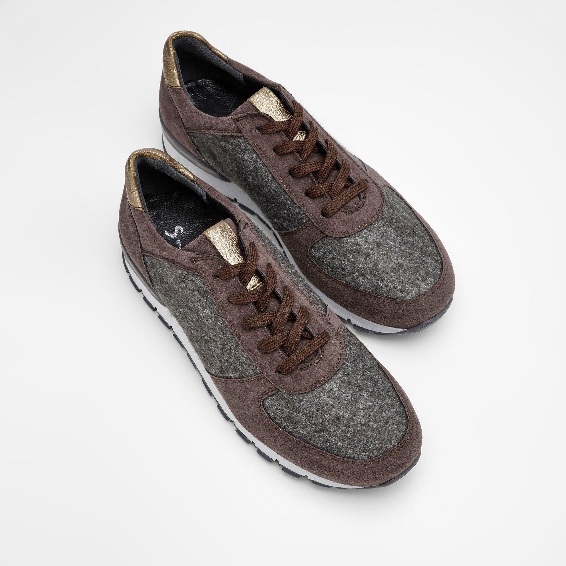Kumaş Detaylı Spor Ayakkabı