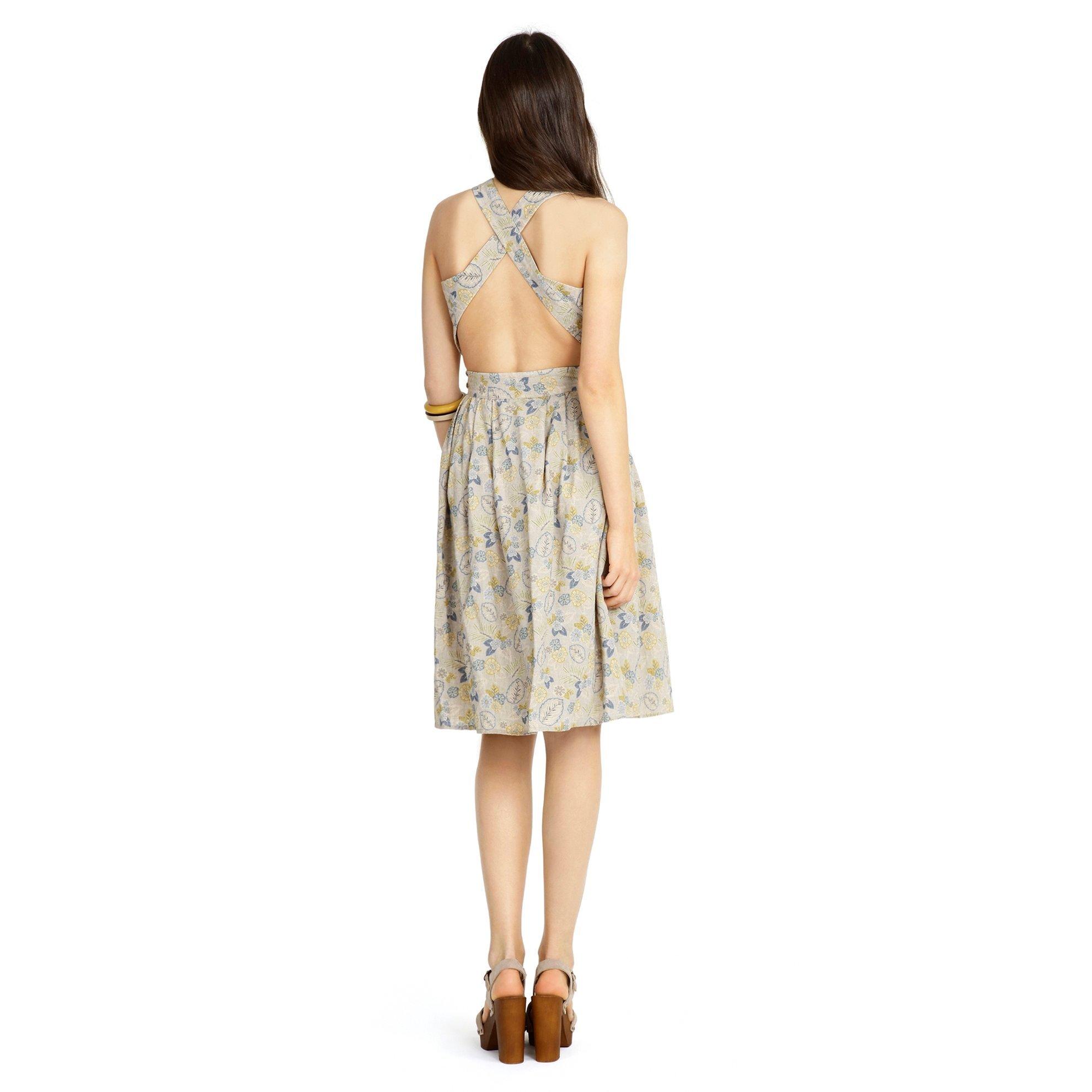 Kare Yaka Düğme Detaylı Elbise