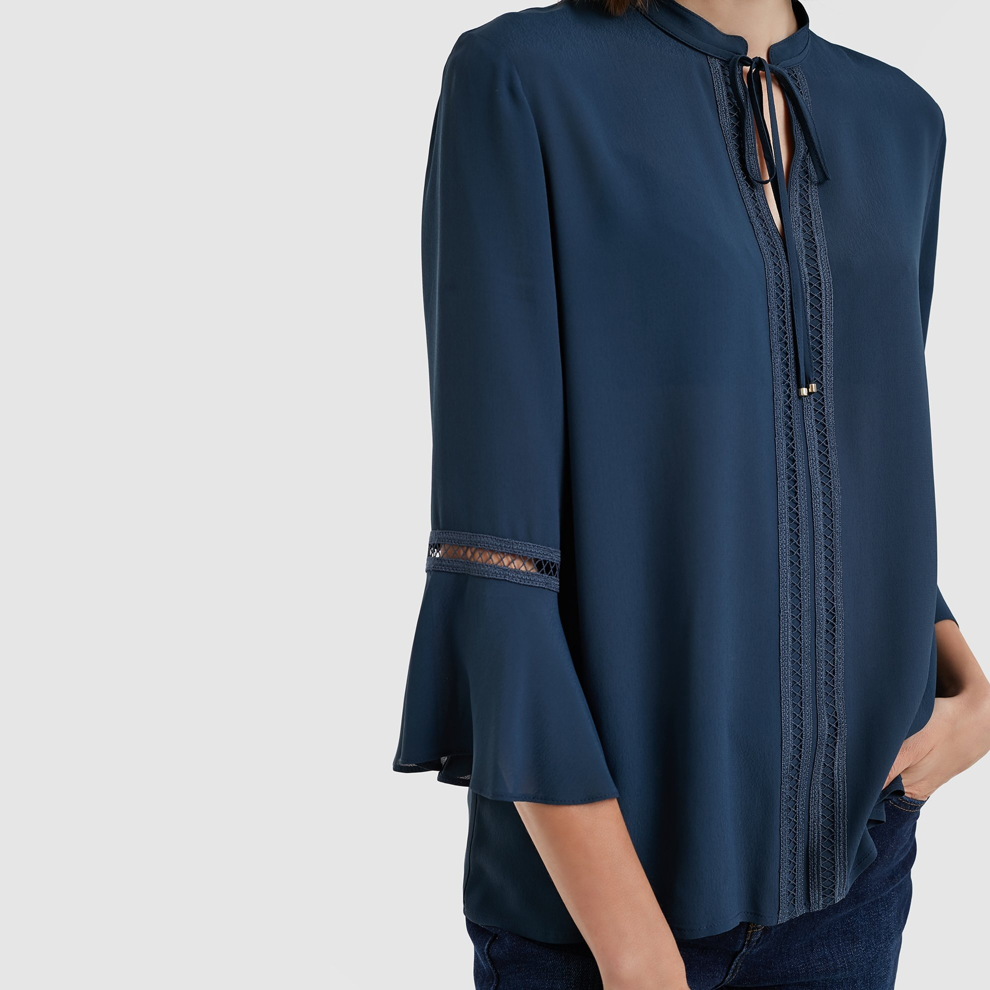 3/4 Sleeve Tie Neck Blouse