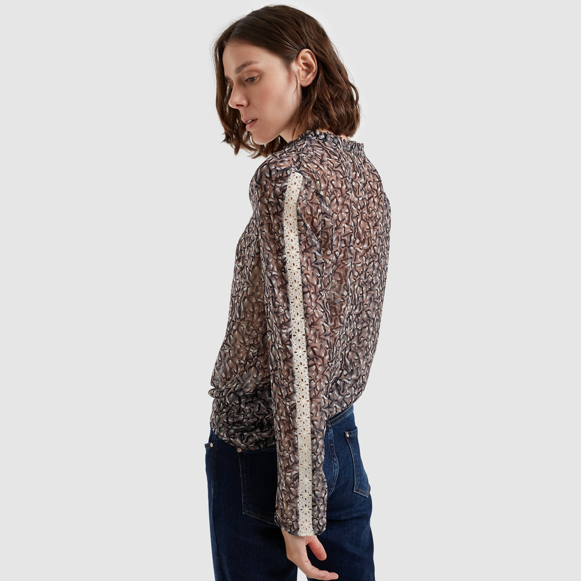 Şerit Detaylı Bluz