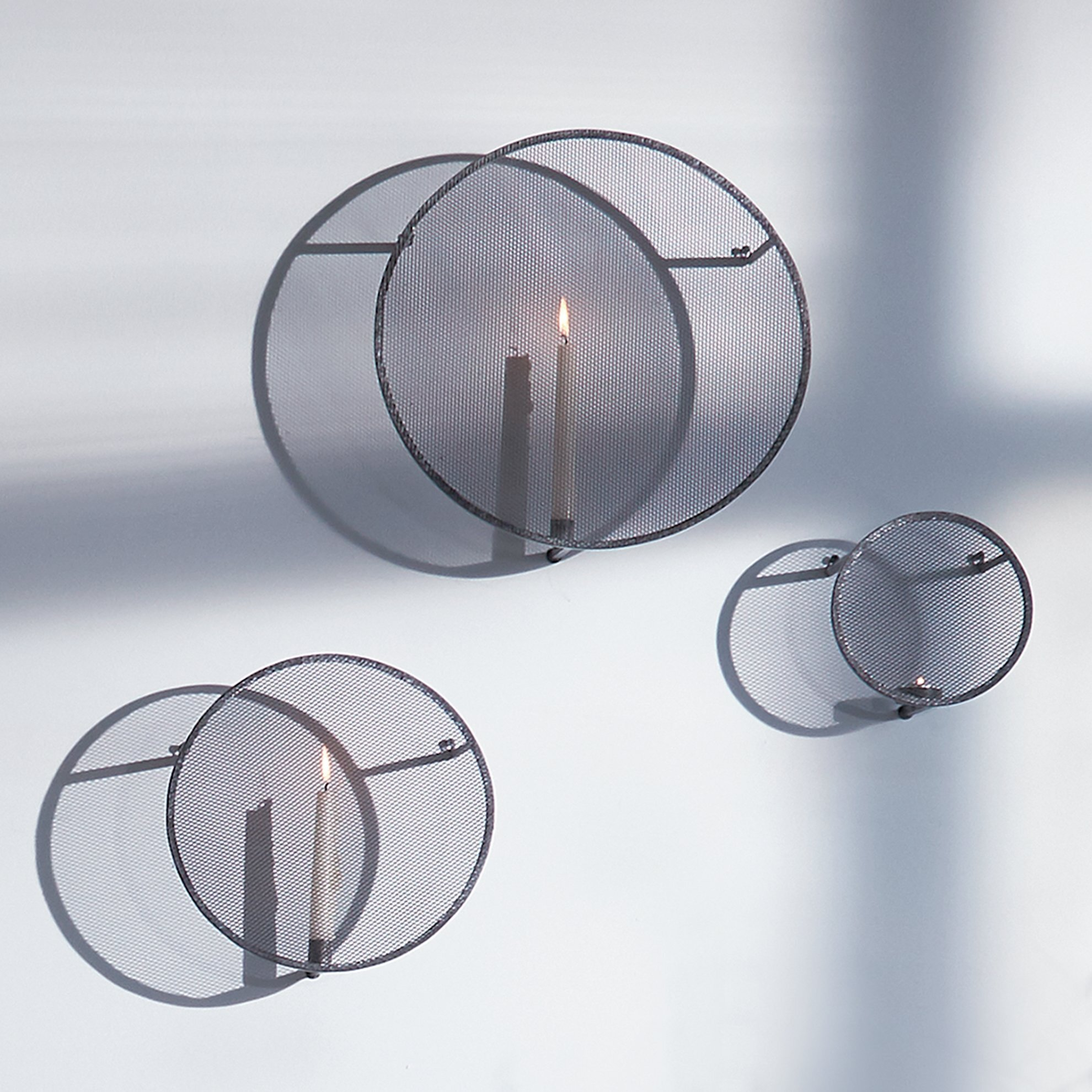 Candle Holder ( 11 X 11 X 18,5 Cm )