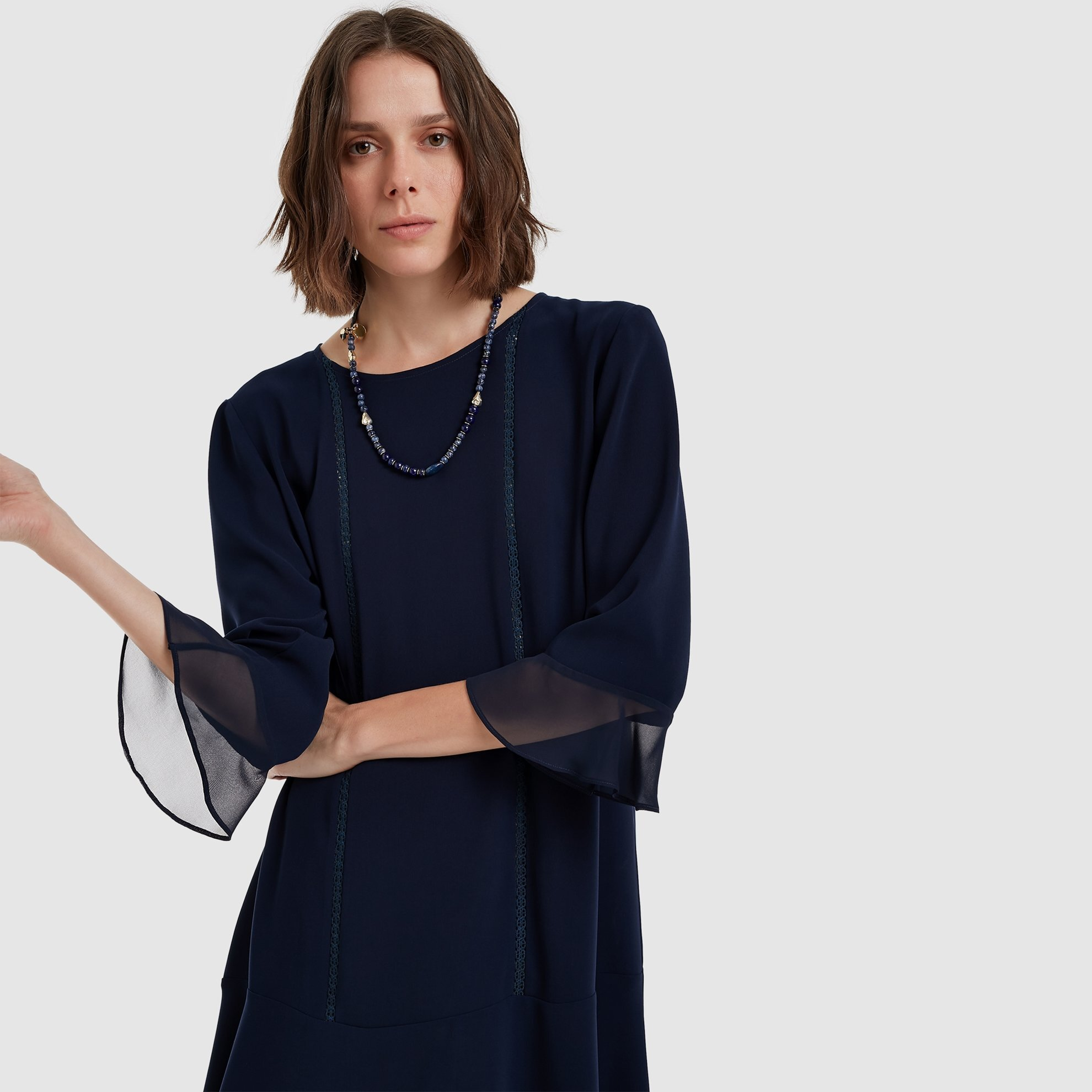 Volan Detaylı Elbise