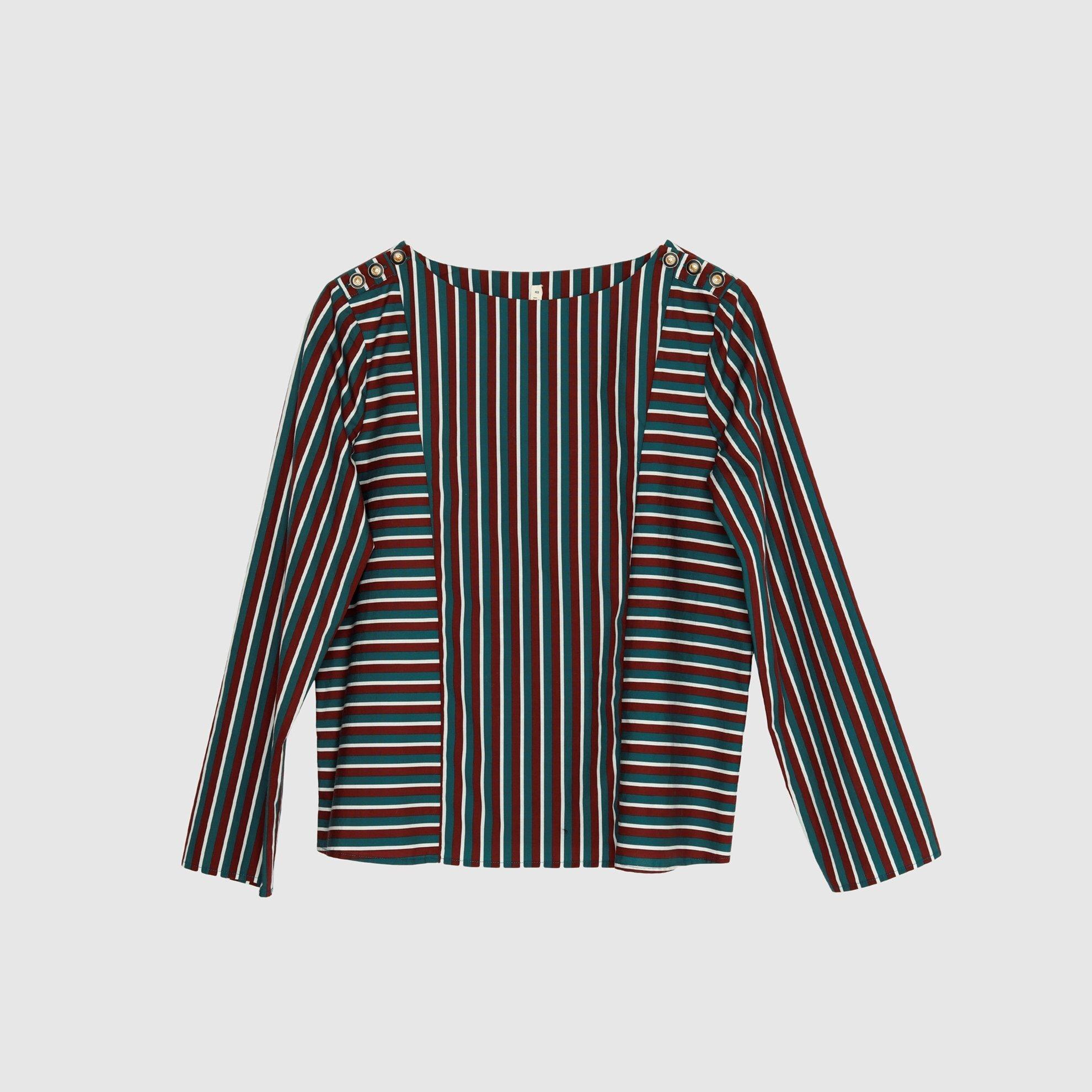 resm Düğme Detaylı Bluz