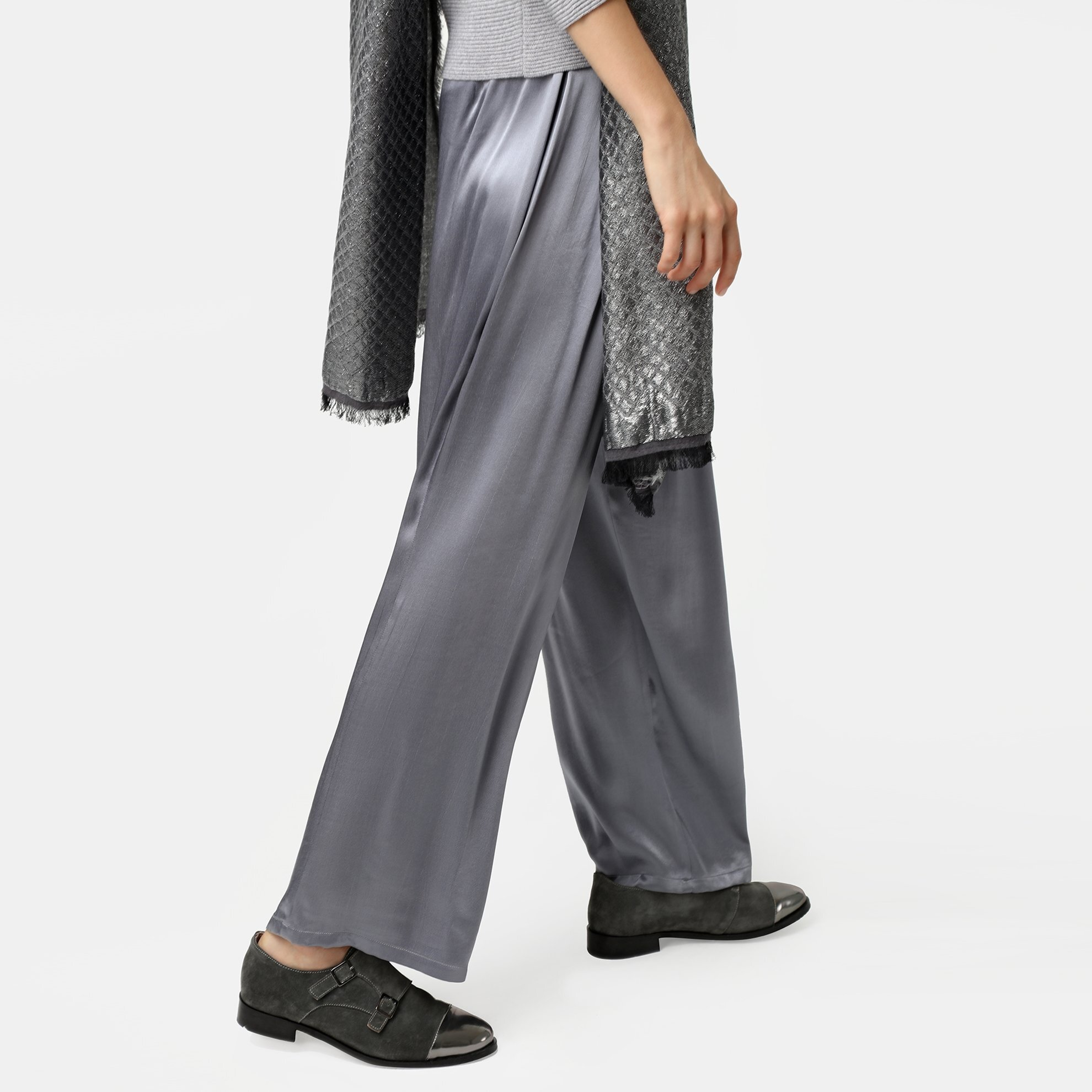 resm Büzgü Detaylı Geniş Paça Pantolon