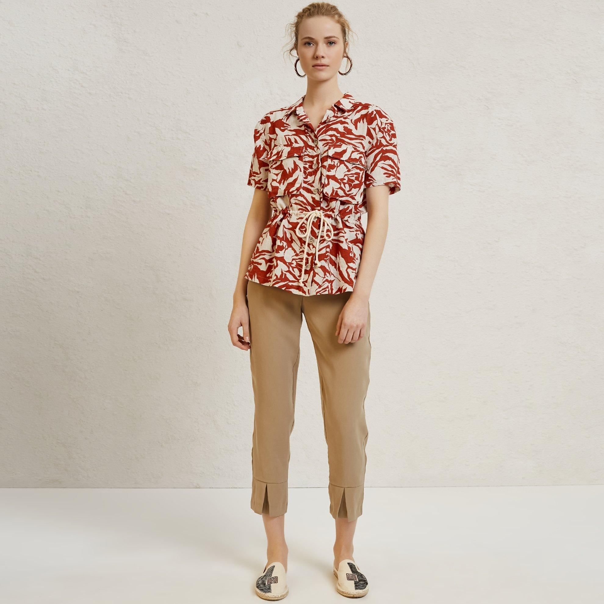Beli Kuşak Detaylı Pantolon