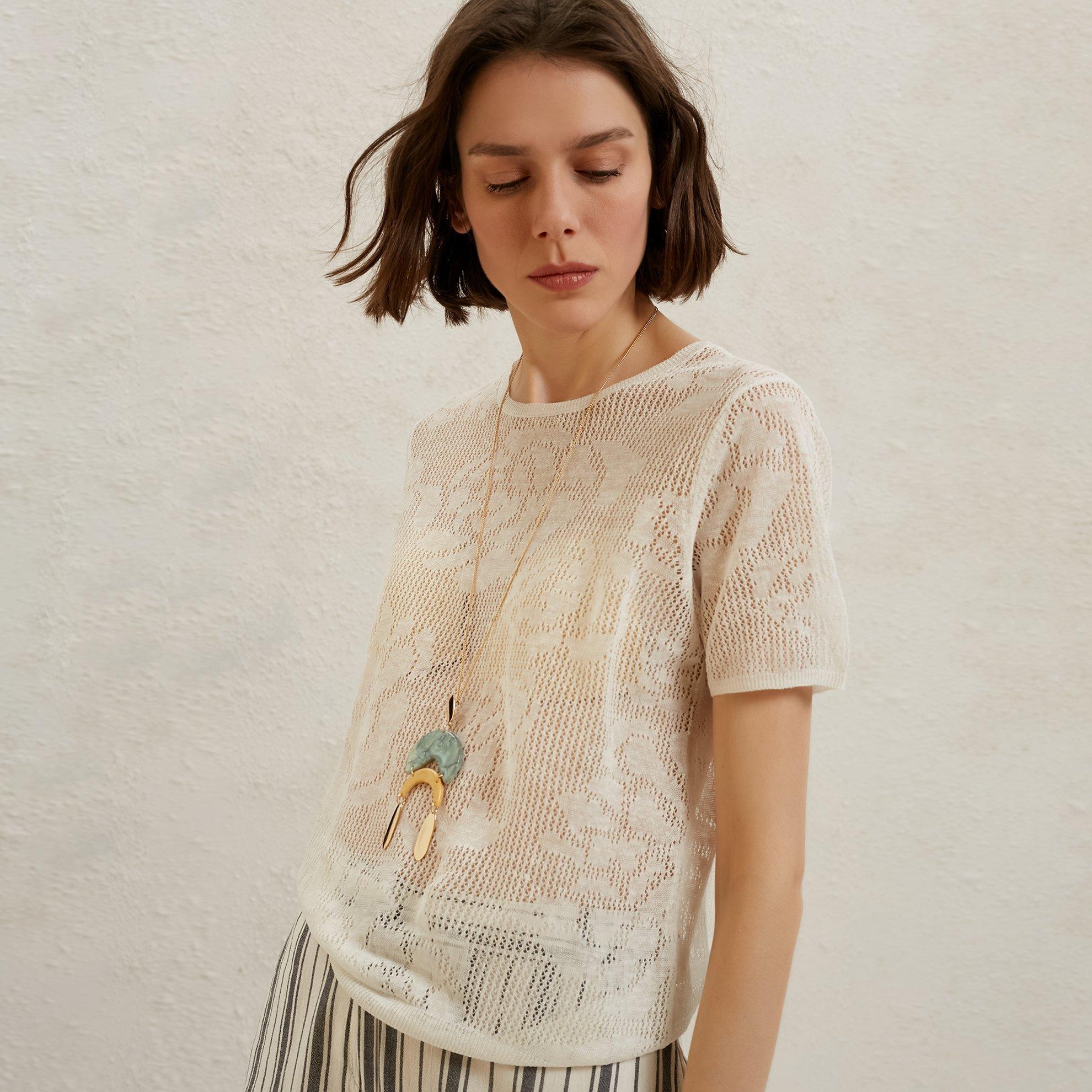 Jacquared Light Knitwear
