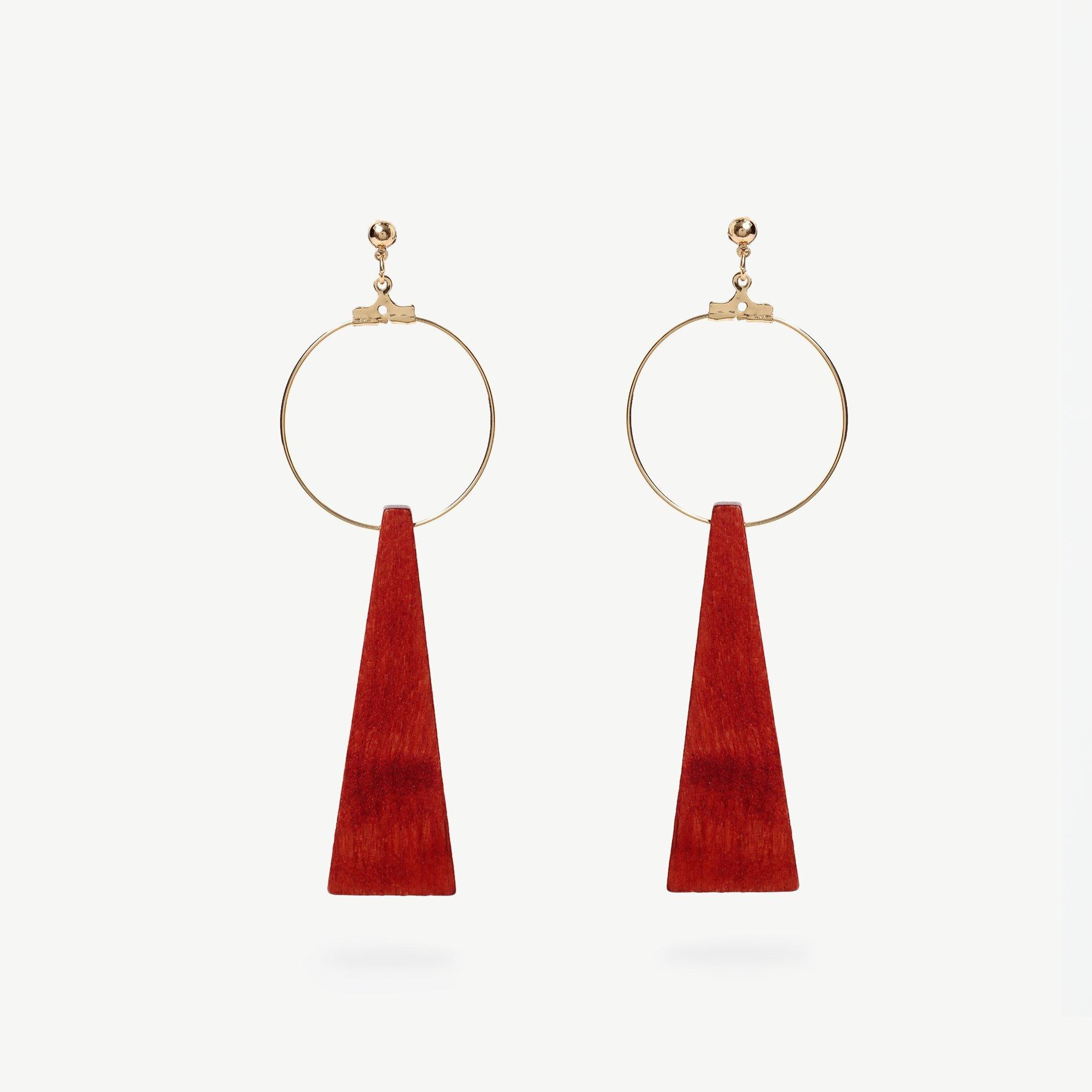 Ohrringe In Dreiecksform mit Holzdetail