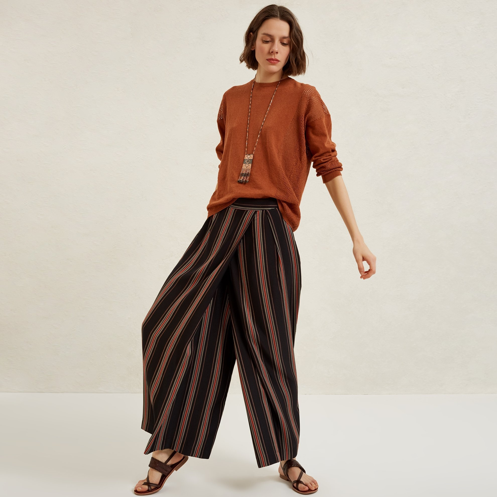 Pleat Detailed Wide Leg Trousers