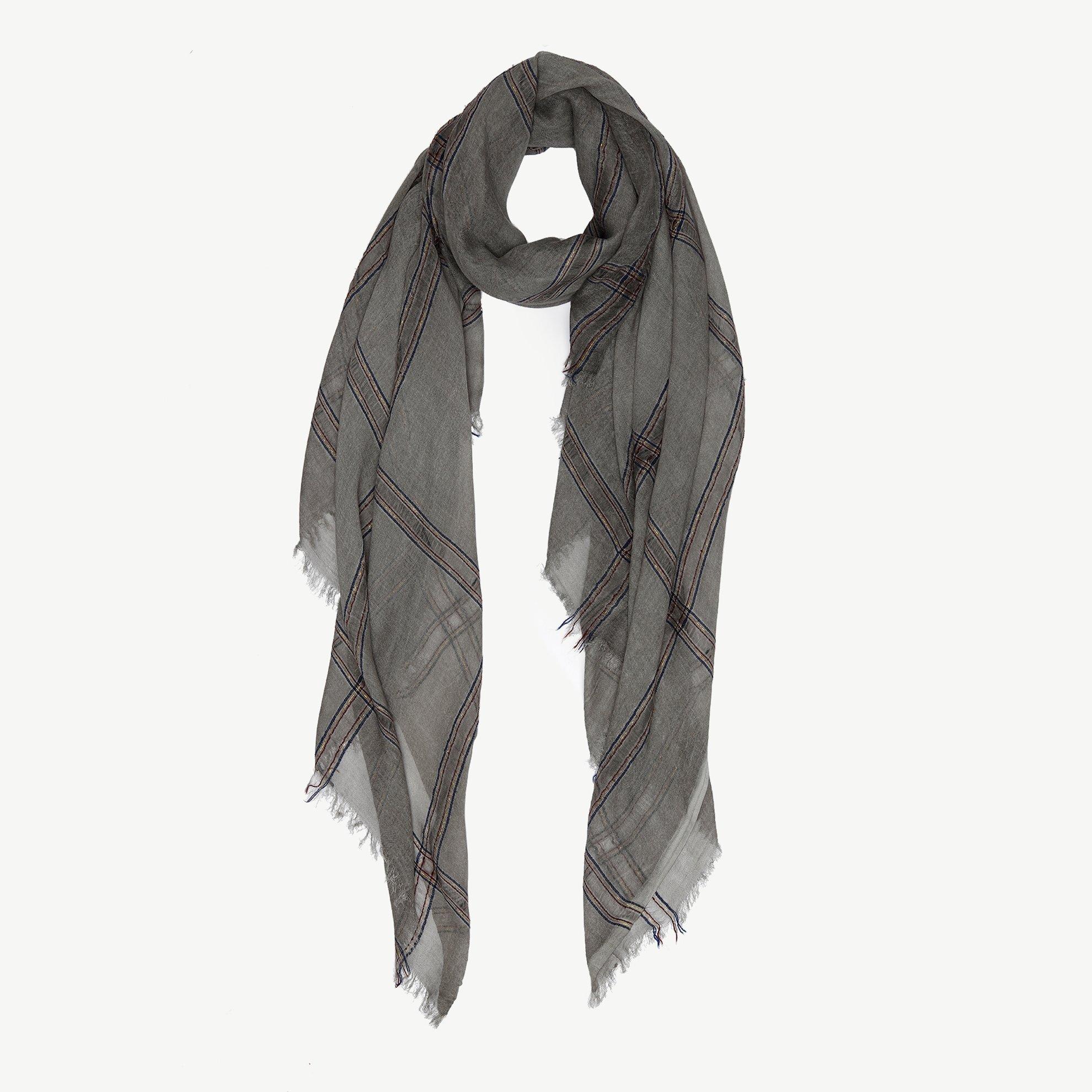Silbriger Schal