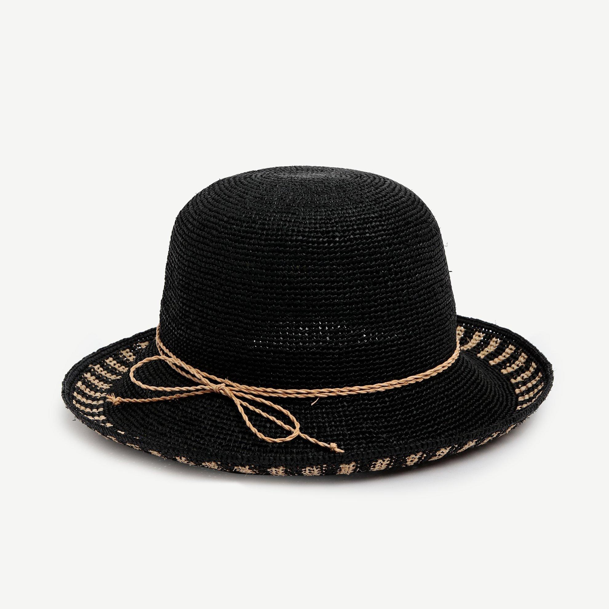 Kenarı Çizgili Kloşe Şapka