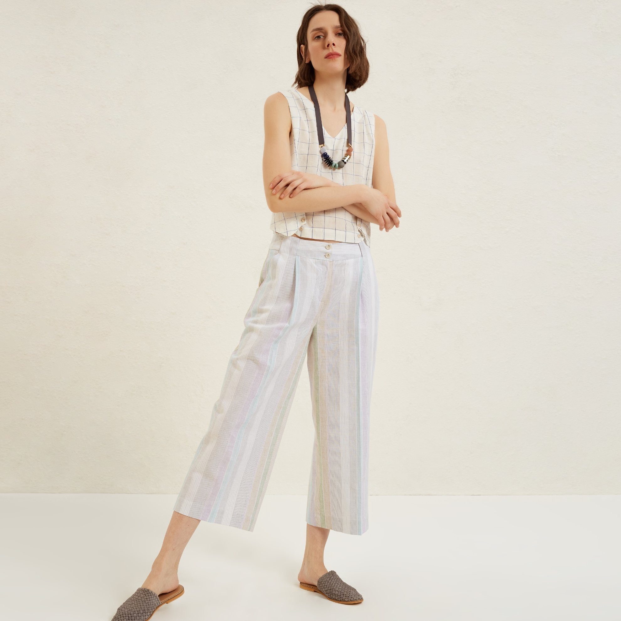 Pocket Detailed Wide Leg Trousers