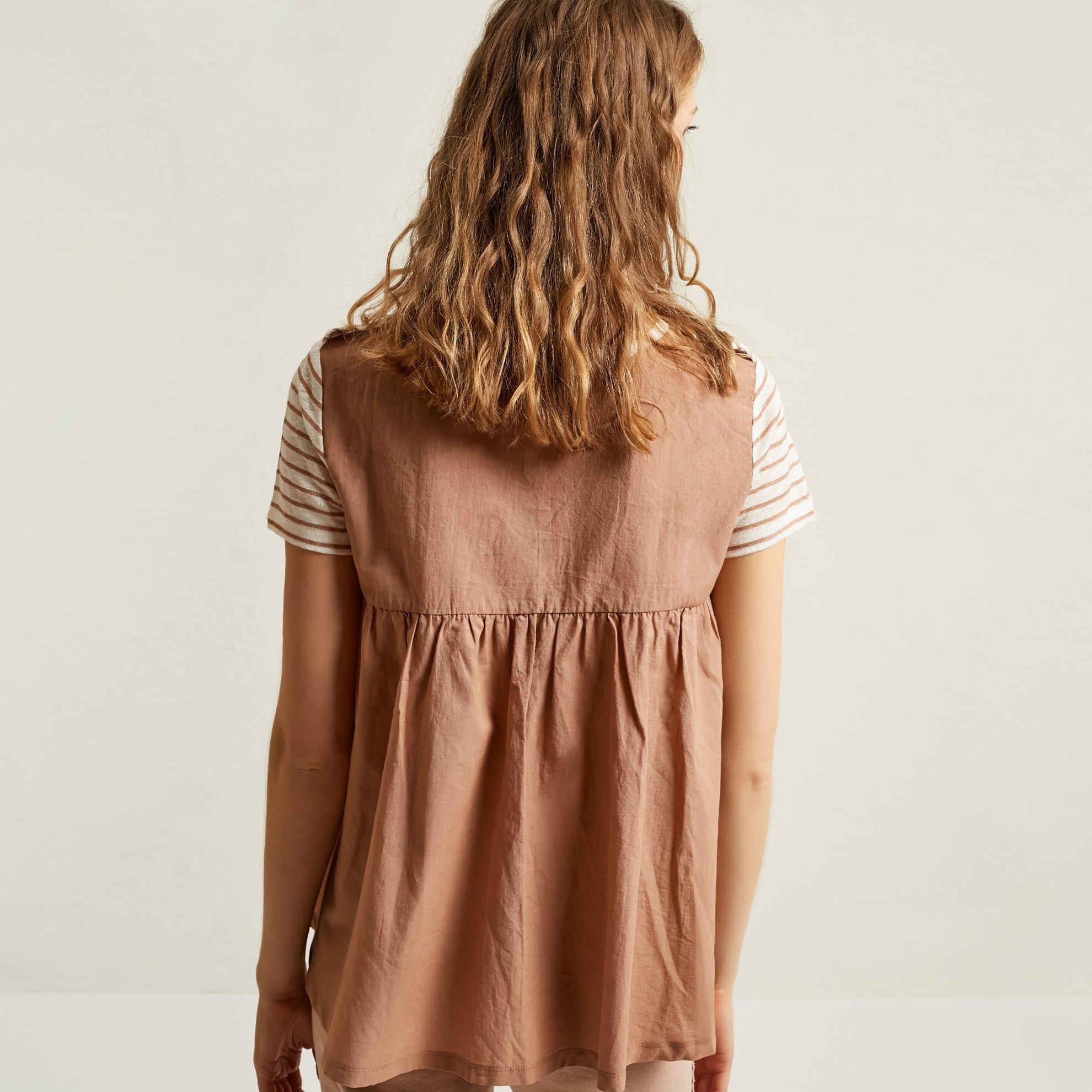 V Neck Secondary Fabric Detailed T-Shirt