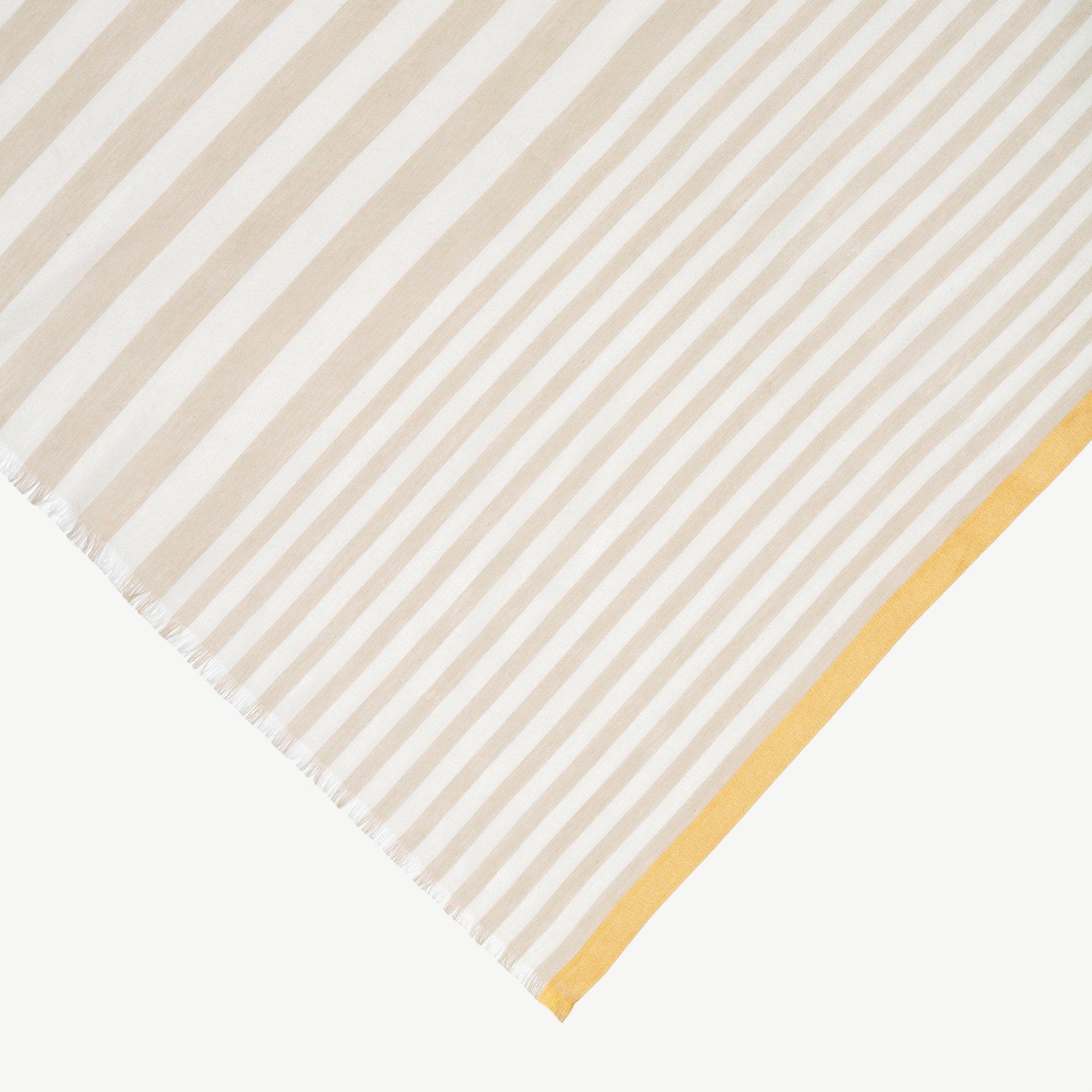 Baumwollschal mit Streifen