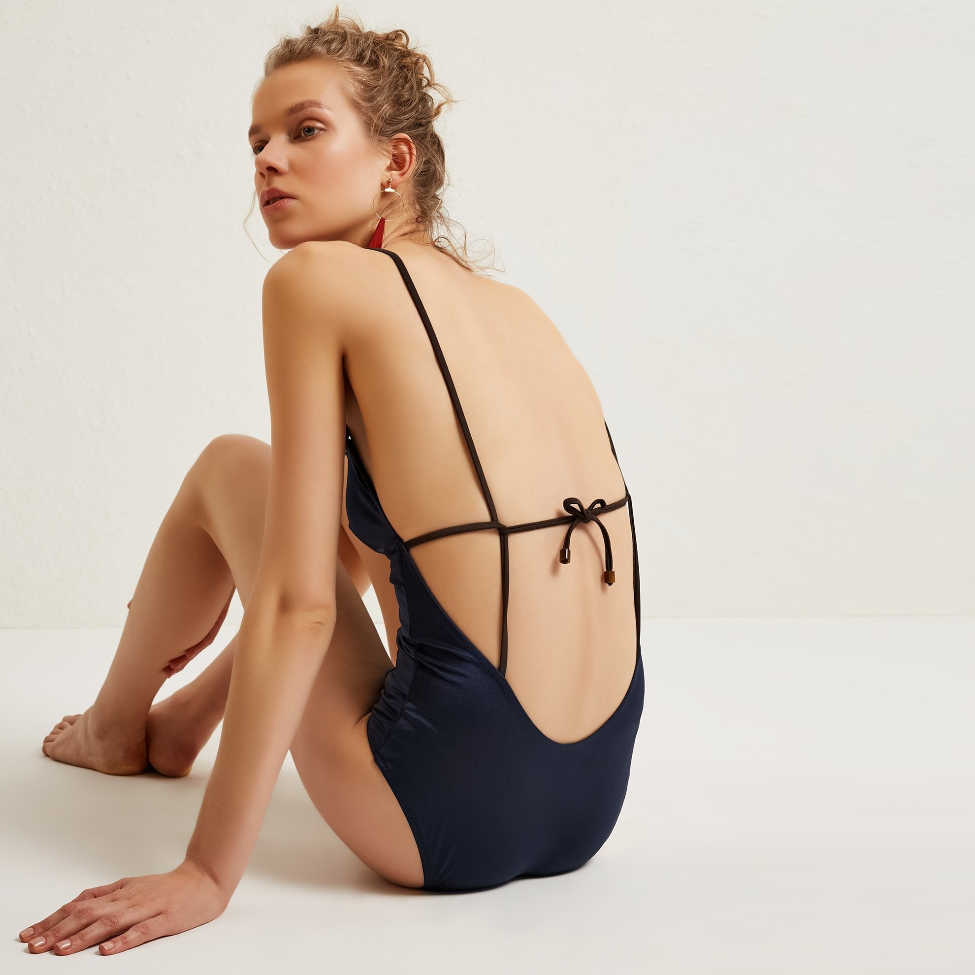 Back Detailed Triangle Breast Swimsuit