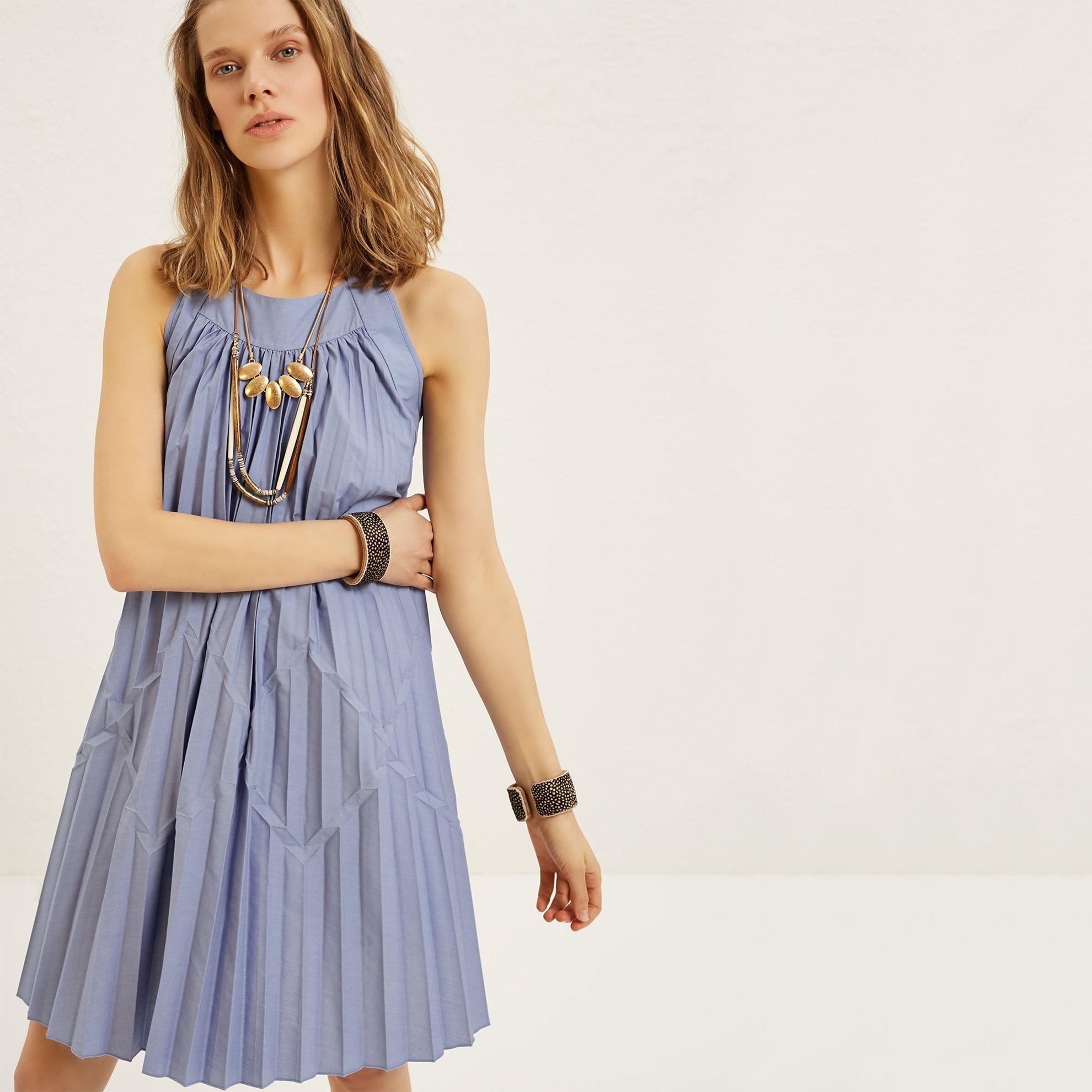 77ea00080f2e1 Mavi Plili Kolsuz Elbise - Yargıcı