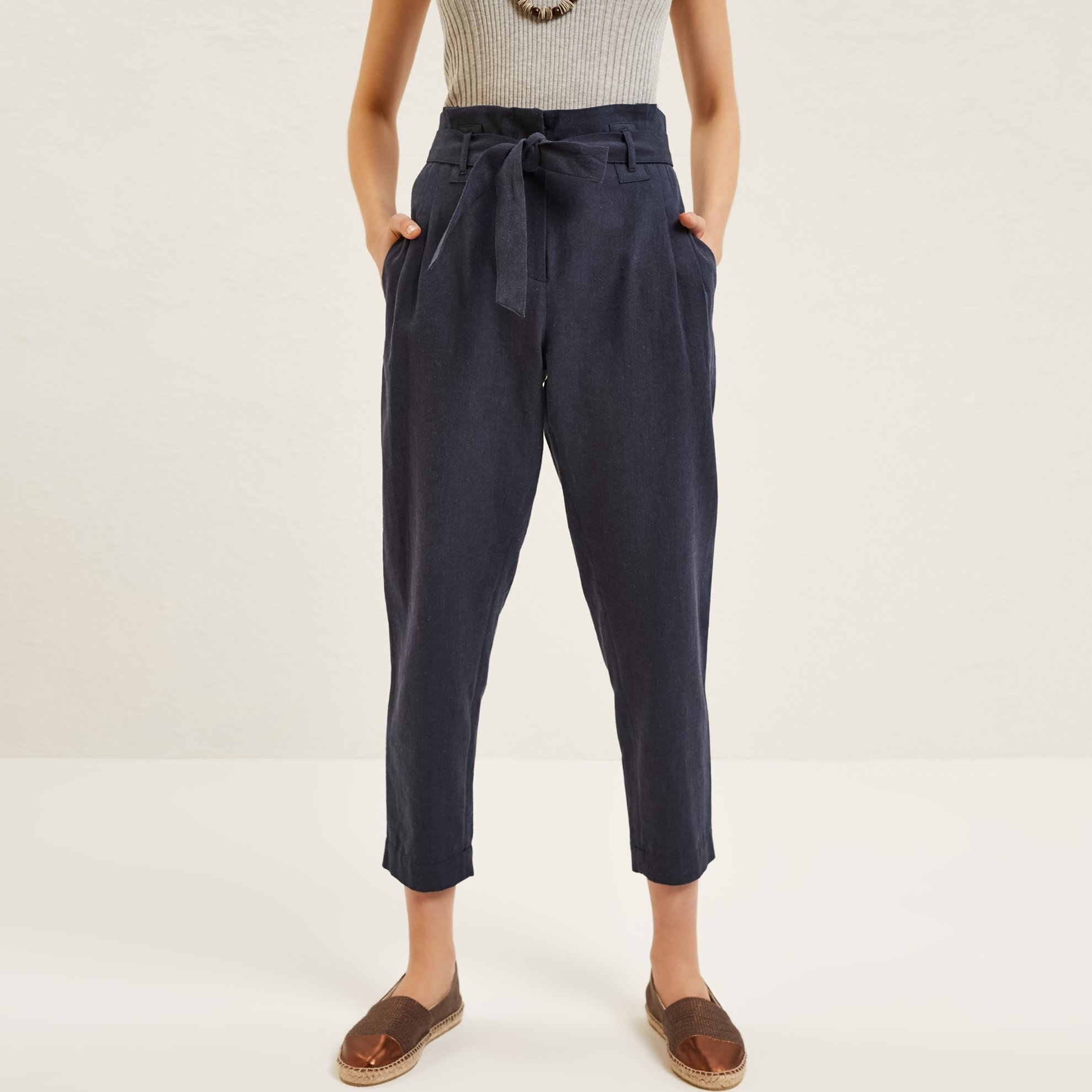 Kirma Detailed Carrot Trousers