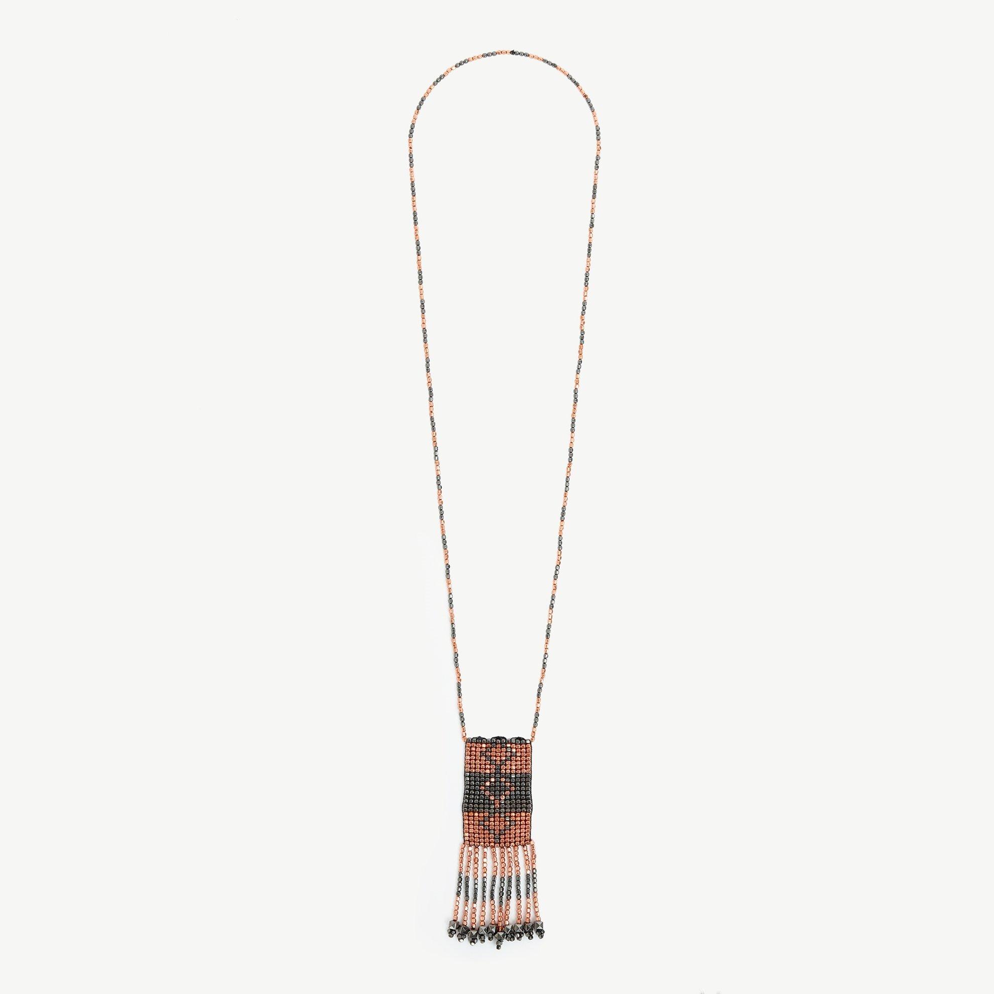 Halskette mit Perlenquaste