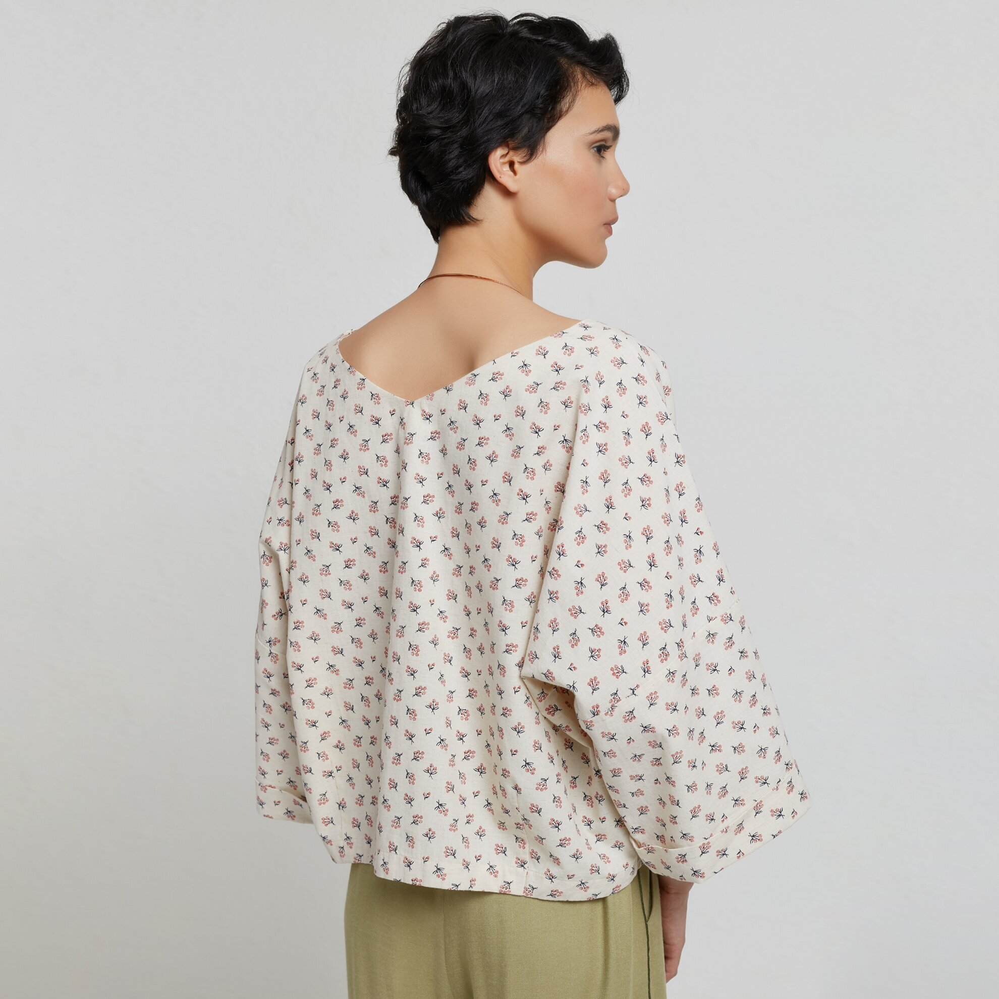 V Yaka Kırma Detaylı Bluz