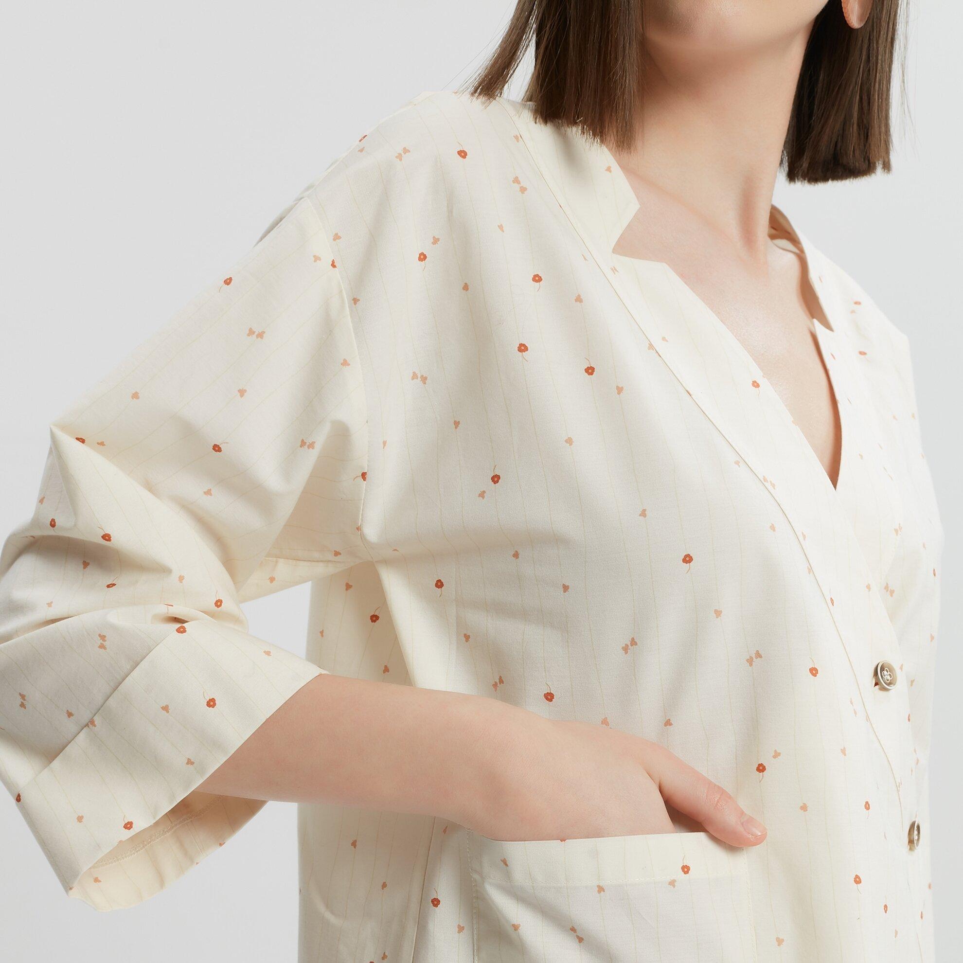 Kruvaze Düğme Detaylı  Gömlek