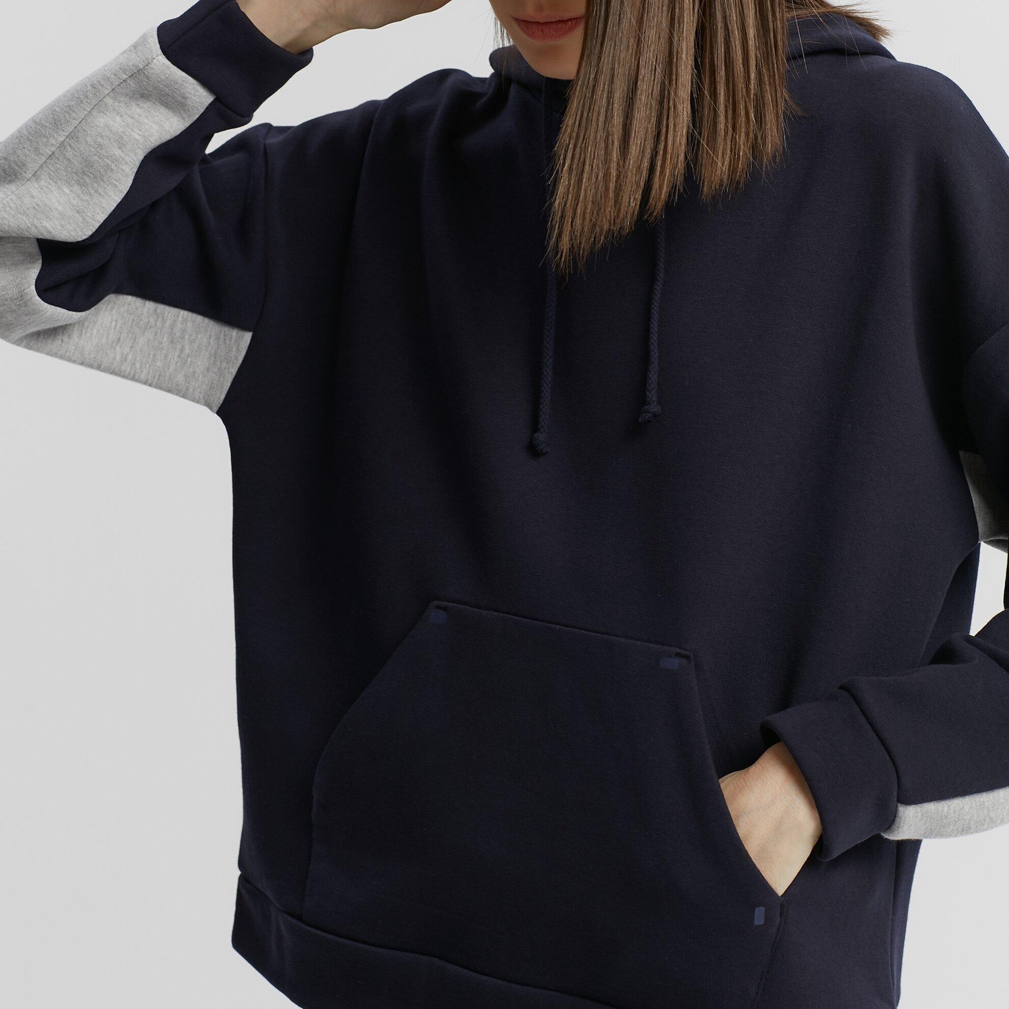 Hooded Sweathirt