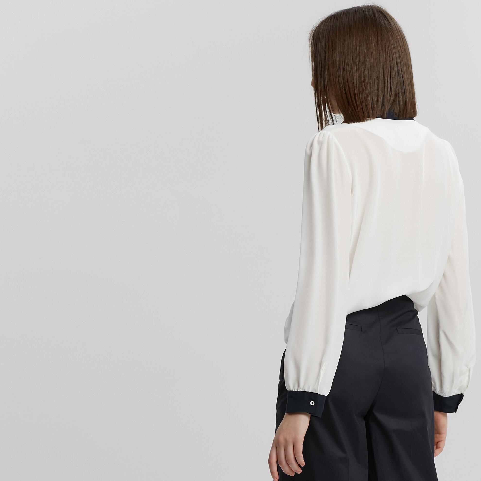 Fular Detaylı Gömlek