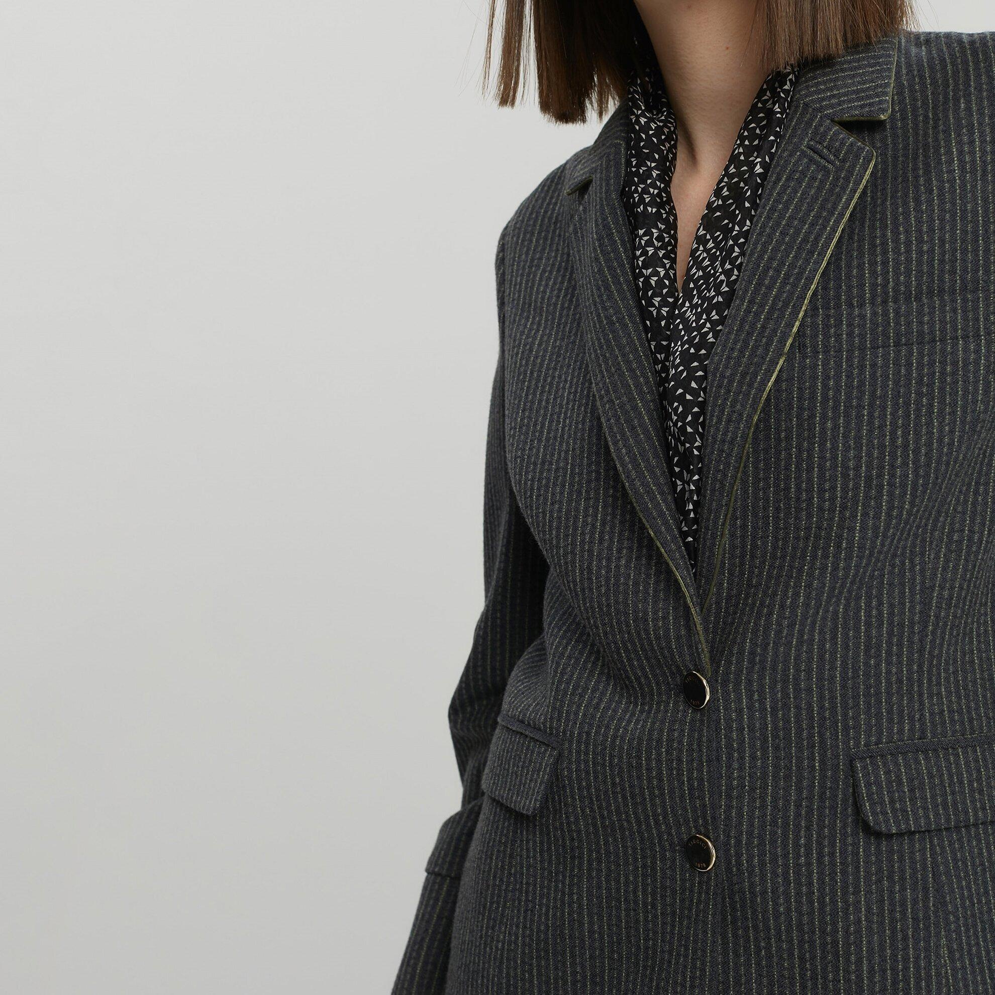 Biye Detaylı Ceket