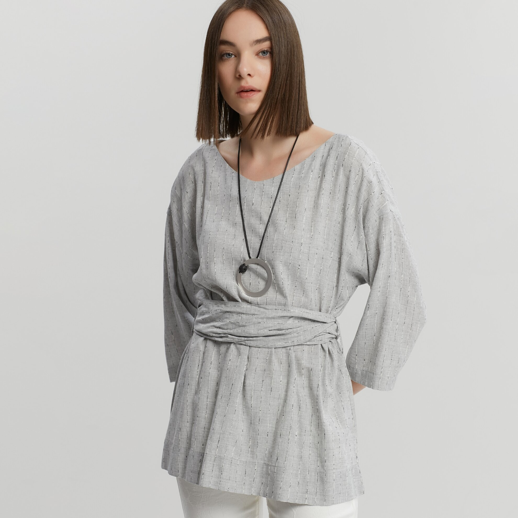 Kuşak Detaylı Bluz