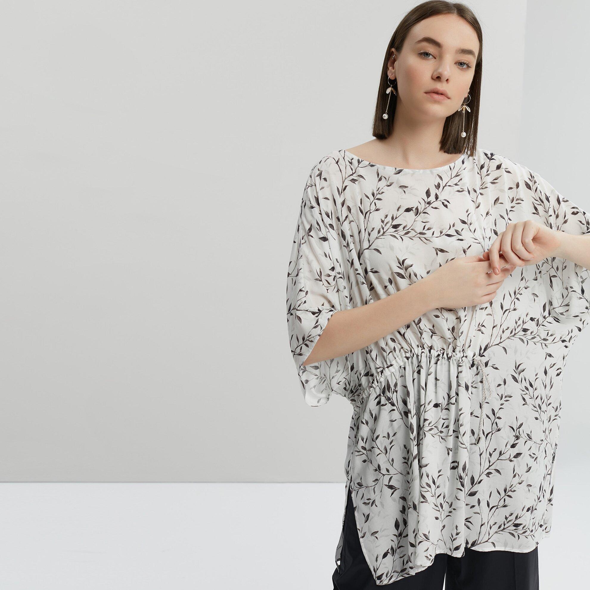 Büzgü Detaylı Bluz
