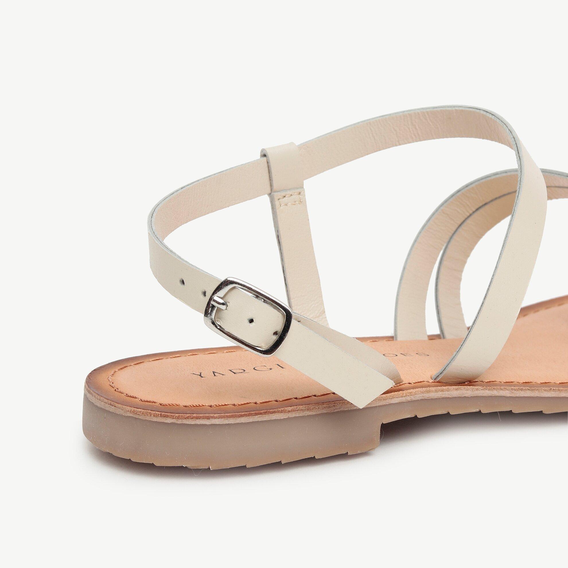 Çok Bantlı Parmakarası Deri Sandalet