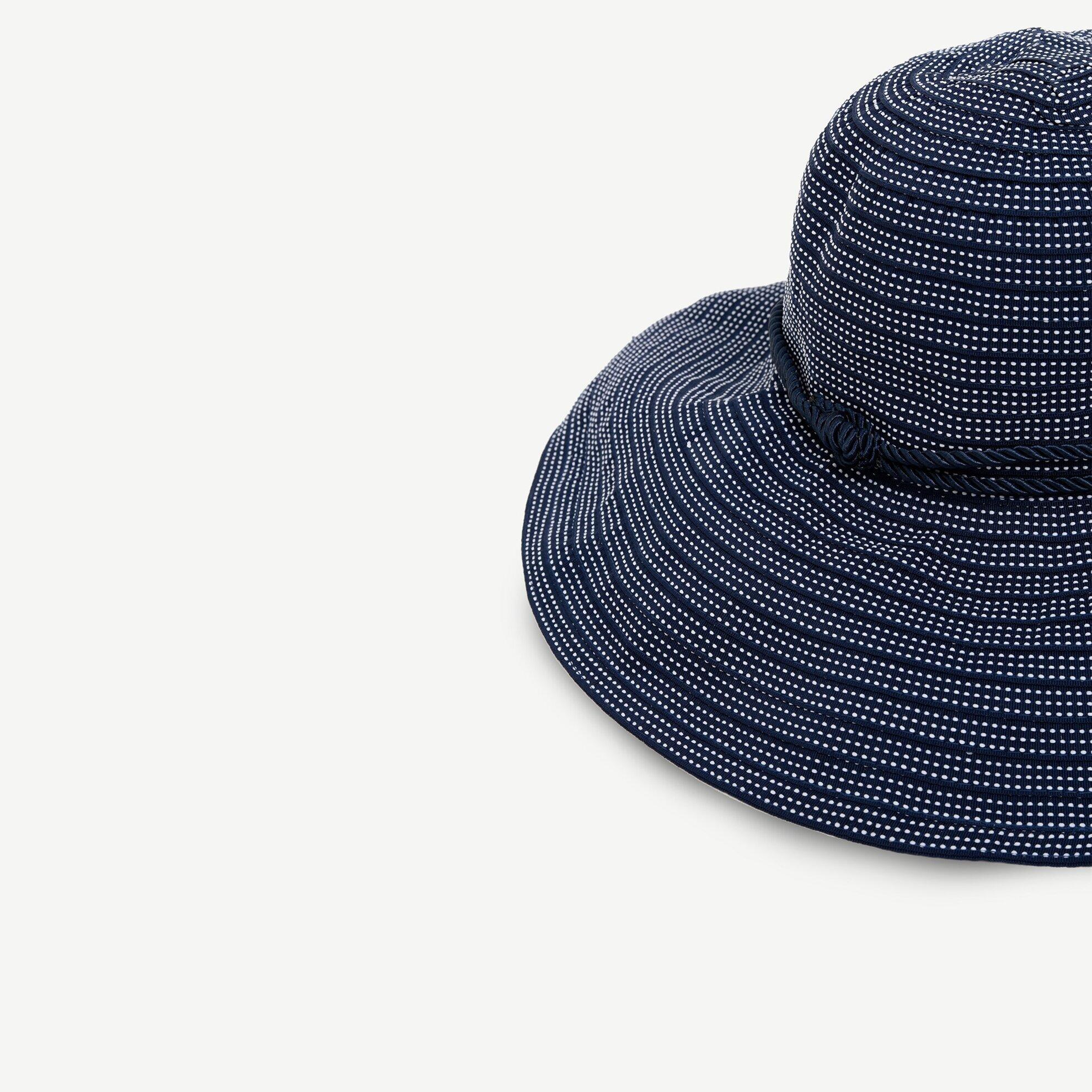 Yatay Çizgili Kaplin Şapka