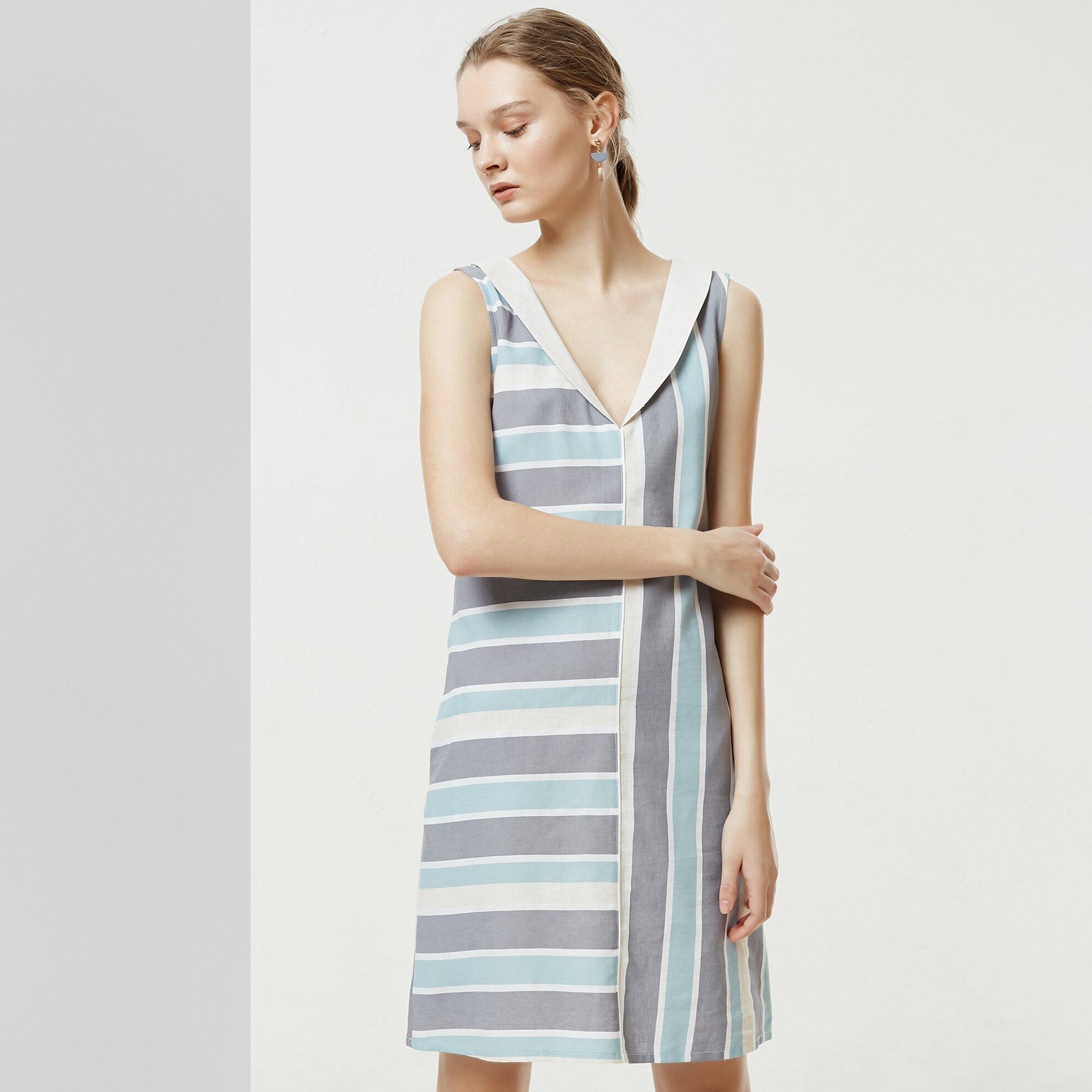 Shawl Collar Sleeveless Dress