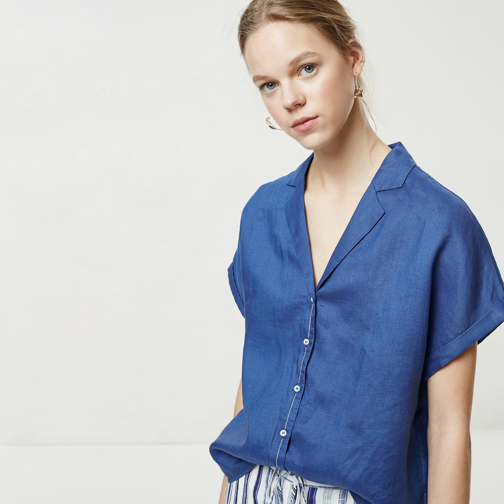 Sırt Detaylı Gömlek