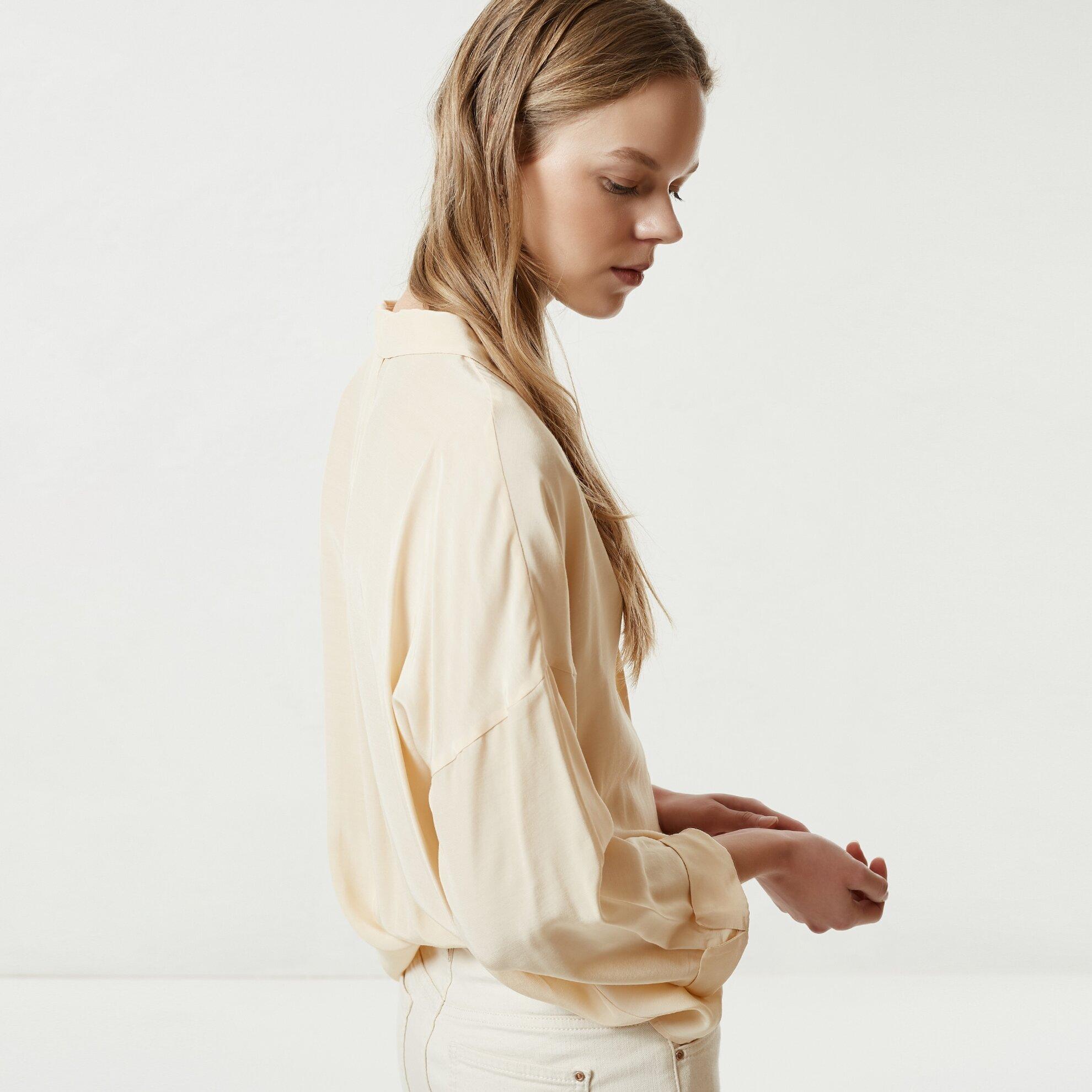 Pat Detaylı Gömlek