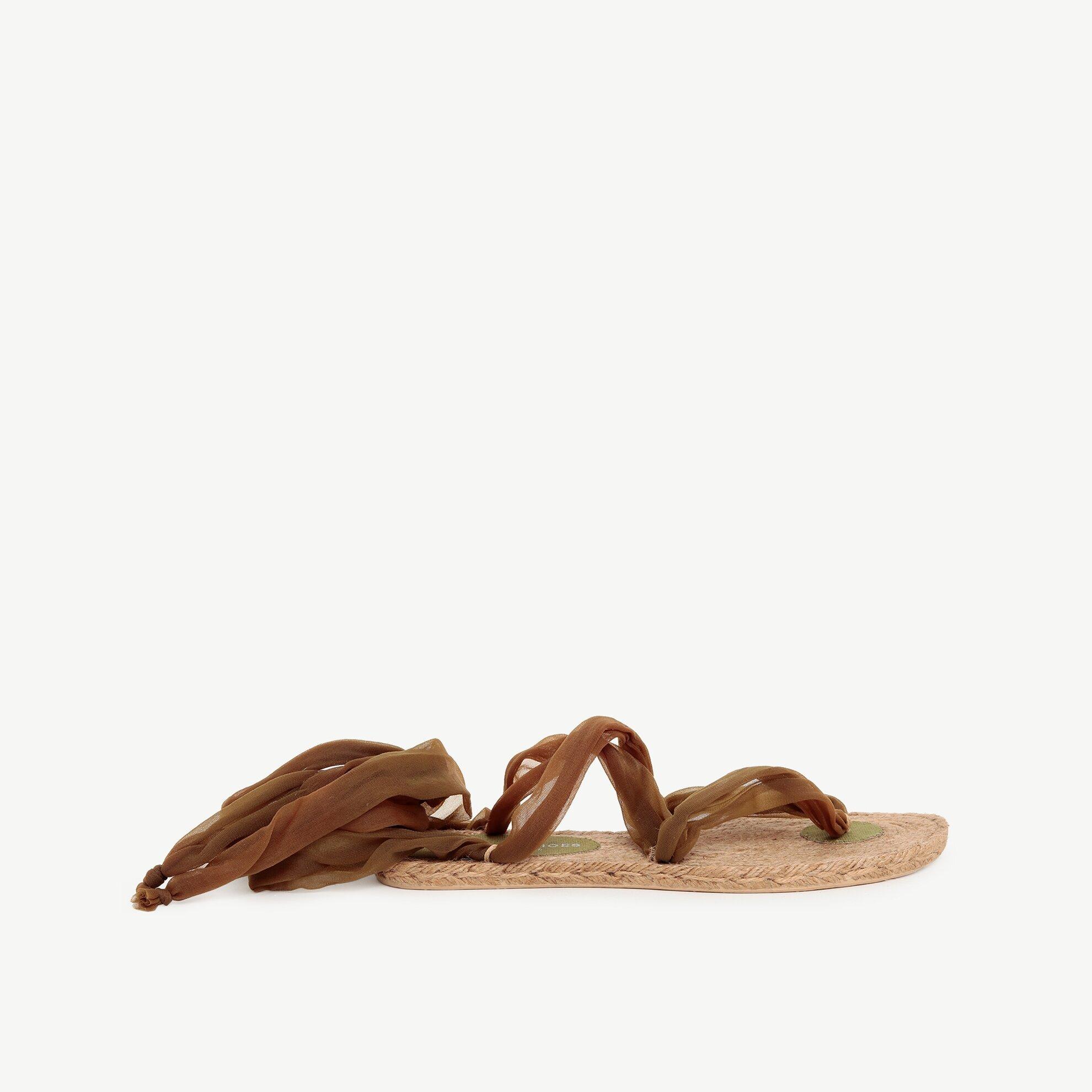Bilekten Bağlamalı Jüt Tabanlı Parmakarası Sandalet