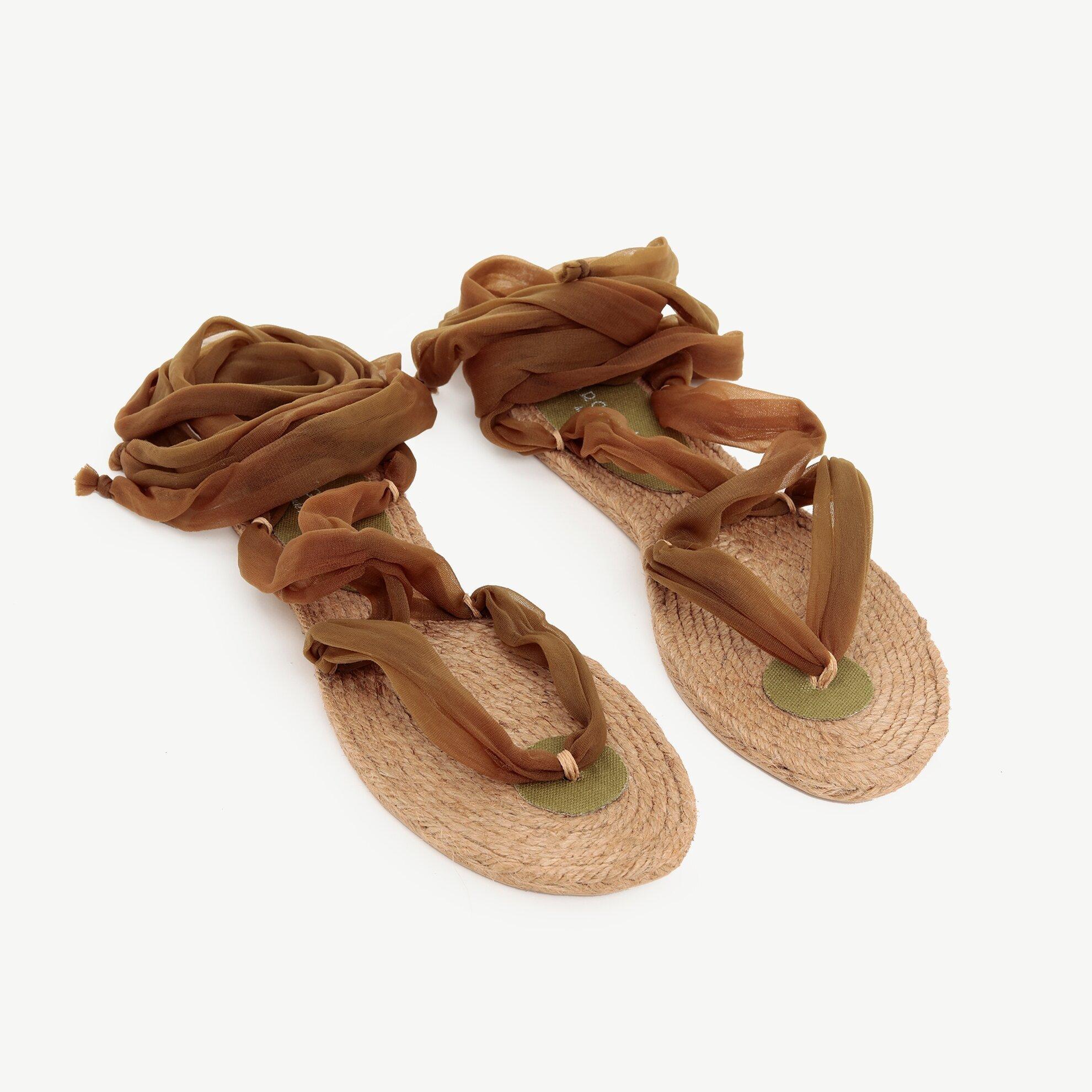 Jut Tabanlı Kumaş Sandalet