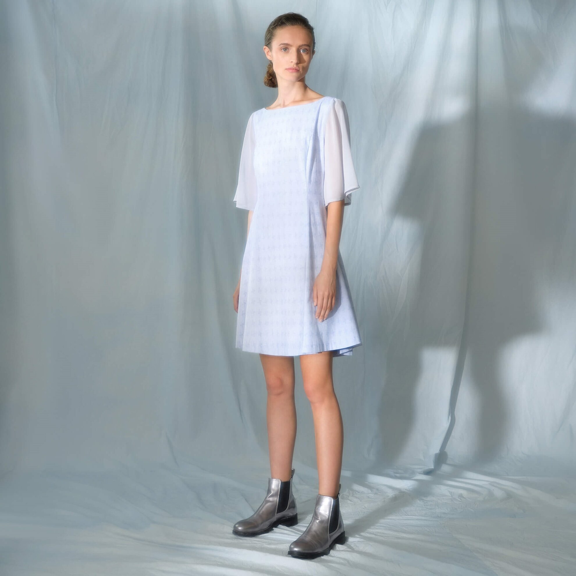 Sırt Detaylı Kolsuz Elbise