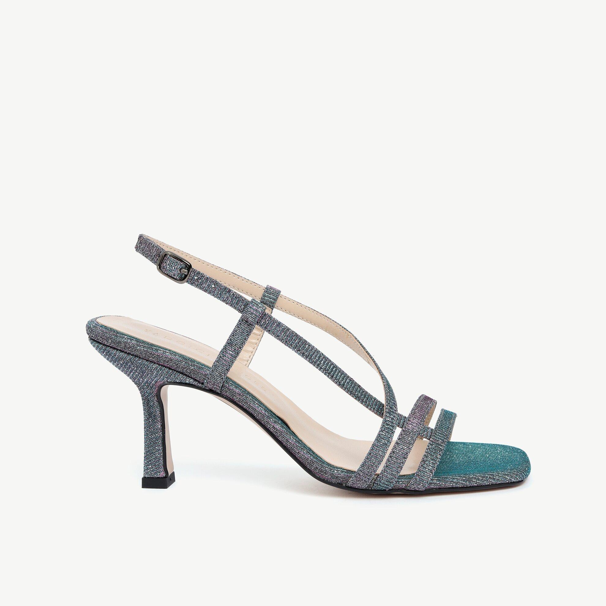 Parlak Çok Bantlı Kumaş Topuklu Ayakkabı
