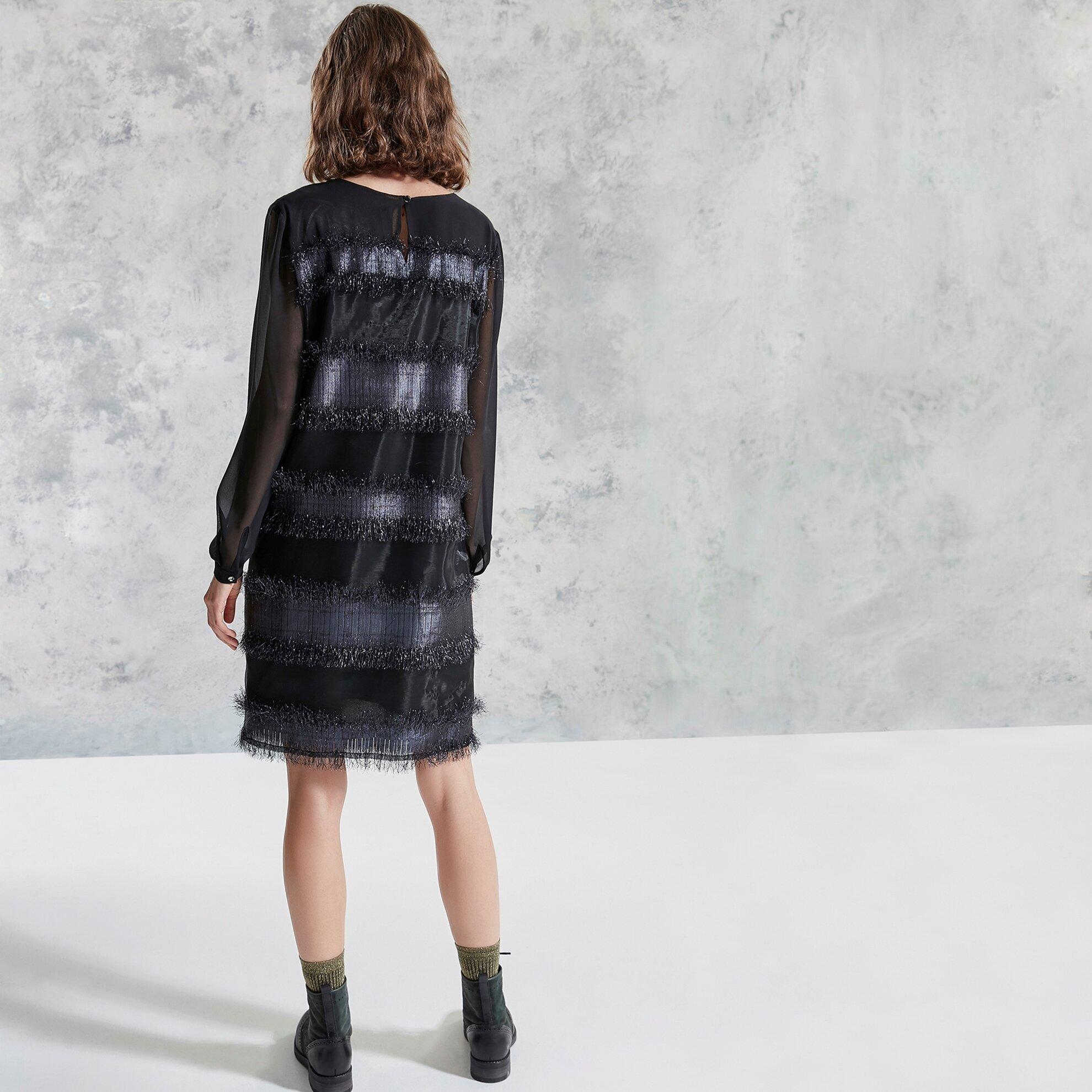 Sırtı Detaylı Elbise