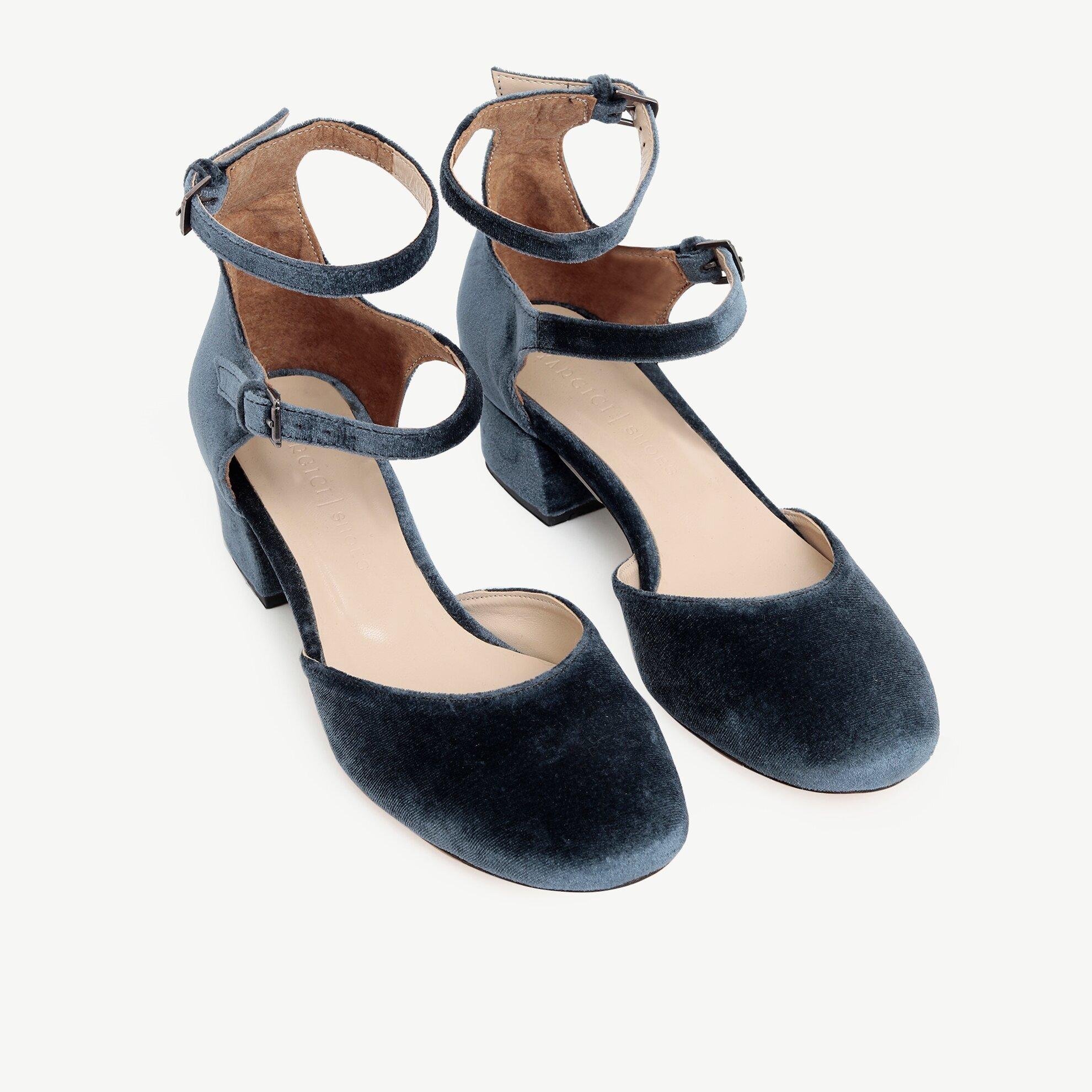 Kadife Bilekten Bantlı Topuklu Ayakkabı
