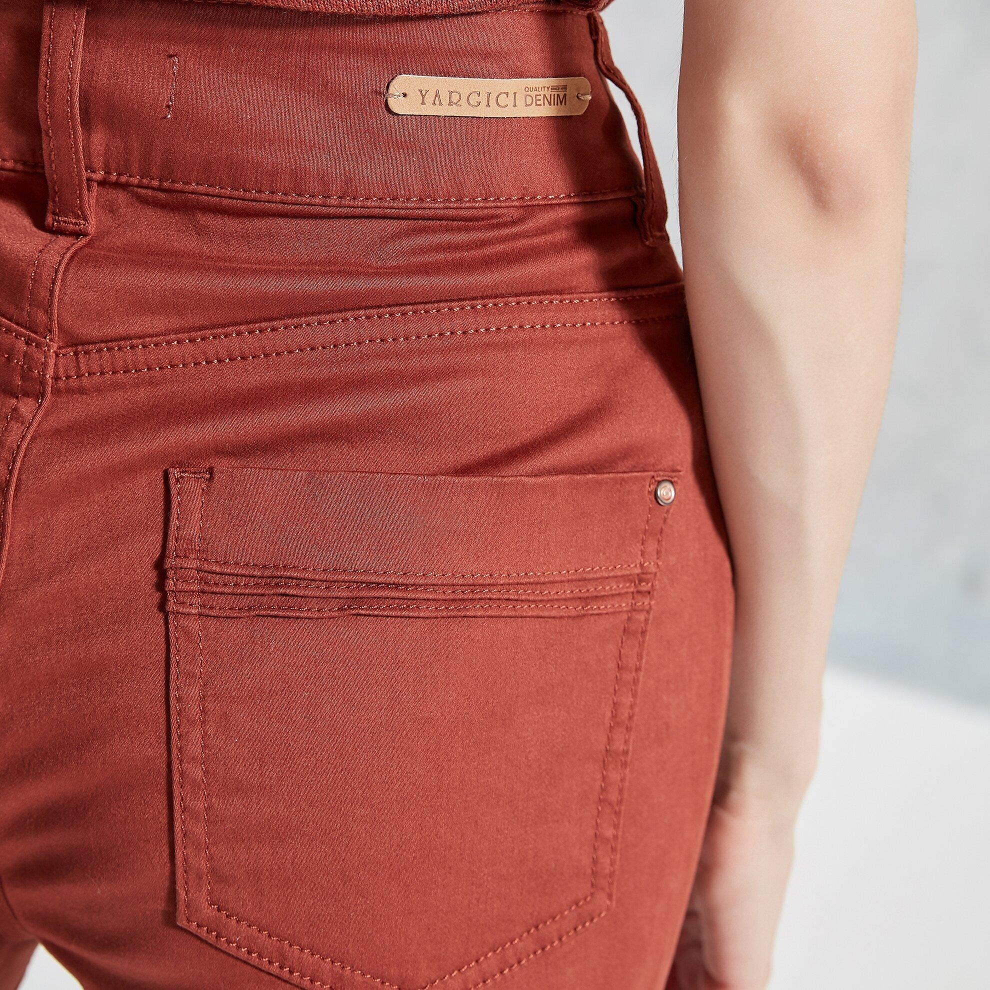 Çift Düğme Detaylı Pantolon